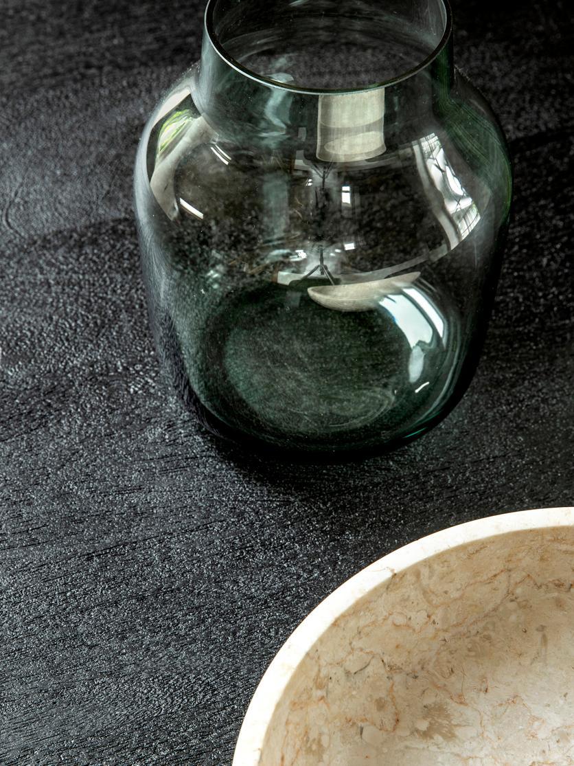 Ronde massief houten eettafel Luca, Tafelblad: geborsteld en gelakt mass, Frame: gepoedercoat metaal, Tafelblad: zwart gelakt mangohout. Frame: mat zwart, Ø 140 x H 75 cm