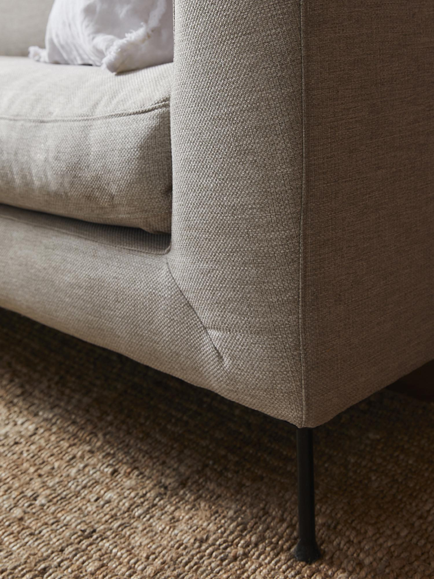 Ecksofa Cucita (3-Sitzer), Bezug: Webstoff (Polyester) Der , Gestell: Massives Kiefernholz, Füße: Metall, lackiert, Webstoff Beige, B 262 x T 163 cm