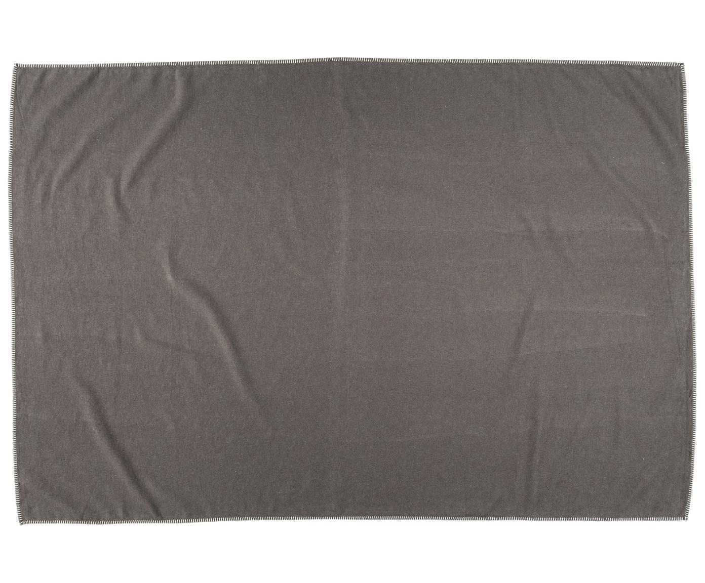 Fleece-Plaid Sylt in Taupe mit Steppnaht, Webart: Jacquard, Taupe, 140 x 200 cm