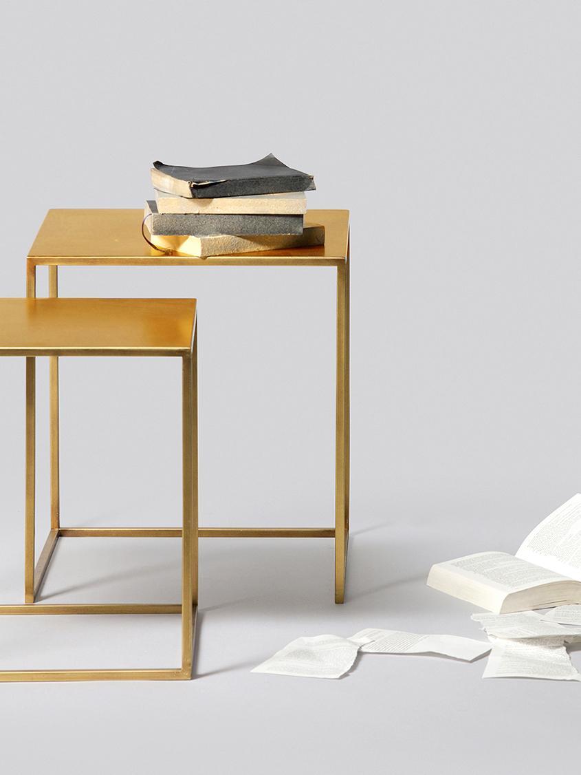 Set 2 tavolini in metallo Ziva, Metallo verniciato, Ottone con finitura anticata, Diverse dimensioni