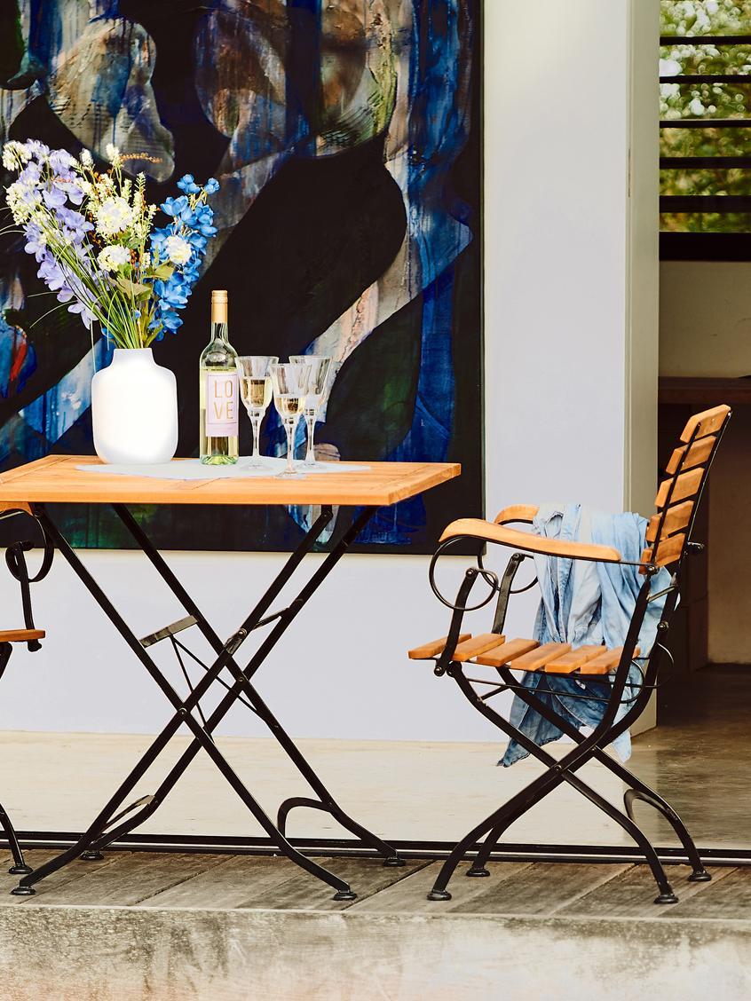 Sedia pieghevole con braccioli Parklife 2 pz, Seduta: legno di acacia, oliato, , Struttura: metallo zincato, vernicia, Nero, legno d'acacia, Larg. 59 x Prof. 52 cm