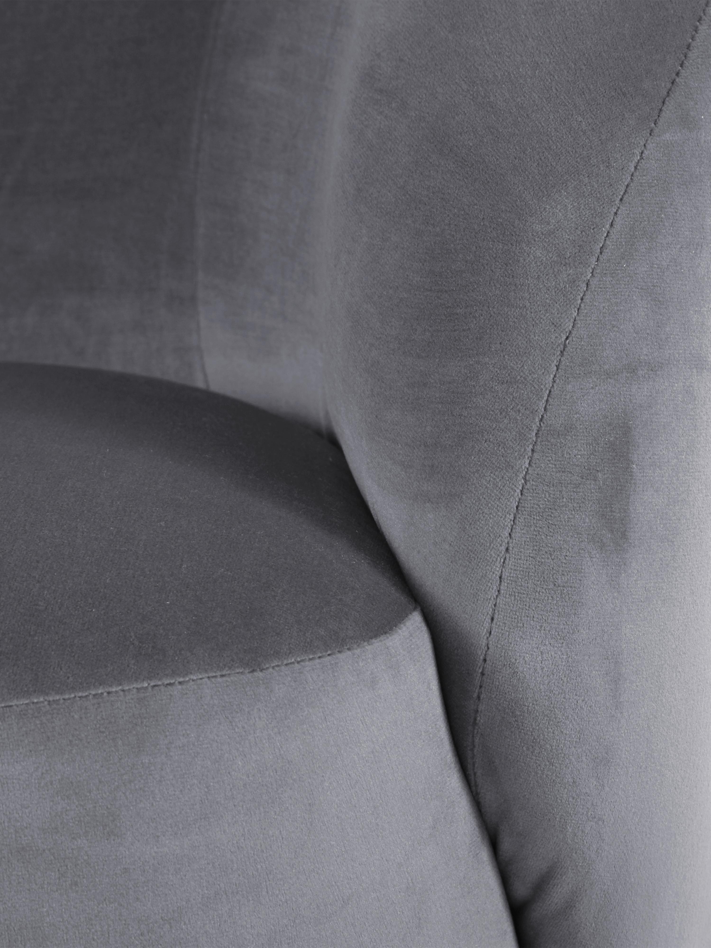 Poltrona in velluto Freja, Rivestimento: velluto (poliestere) 30.0, Piedini: metallo, verniciato a pol, Rivestimento: grigio Piedini: nero opaco, Larg. 65 x Prof. 72 cm