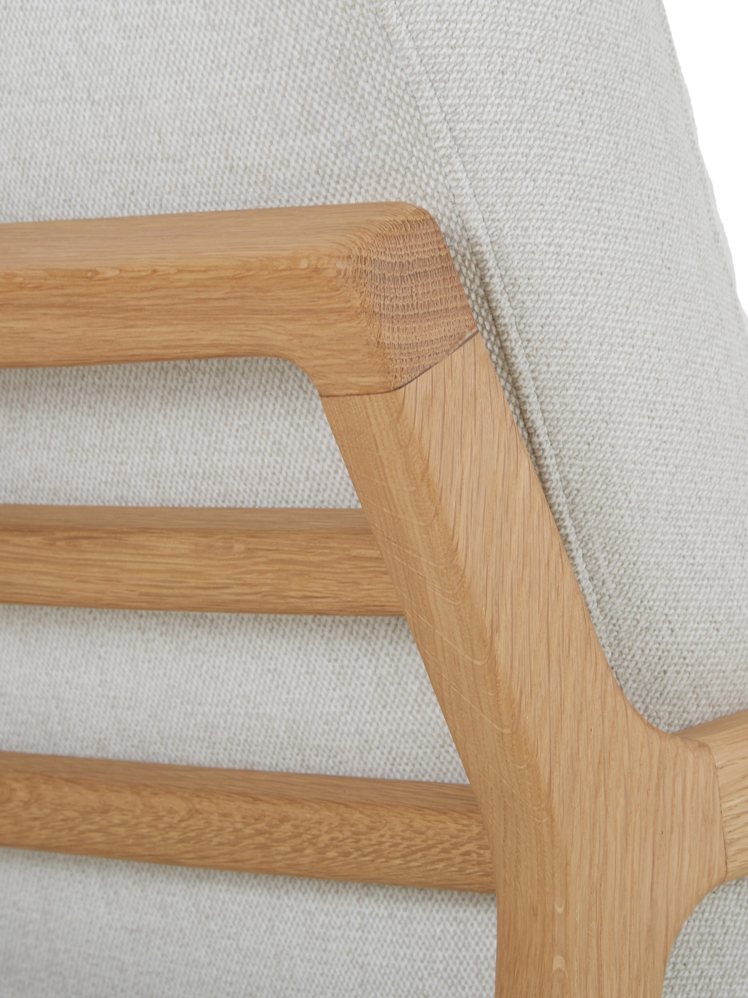 Sessel Becky mit Armlehnen aus Eichenholz, Bezug: Polyester 35.000 Scheuert, Gestell: Massives Eichenholz, Webstoff Beige, Eichenholz, B 73 x T 90 cm