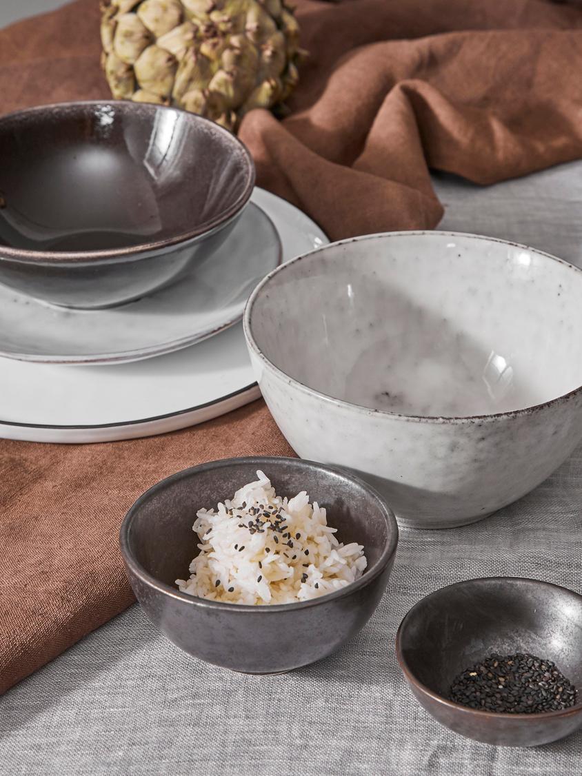 Handgemachtes Geschirr-Set Nordic Sand aus Steingut, 4 Personen (12-tlg.), Steingut, Sandfarben, Sondergrößen