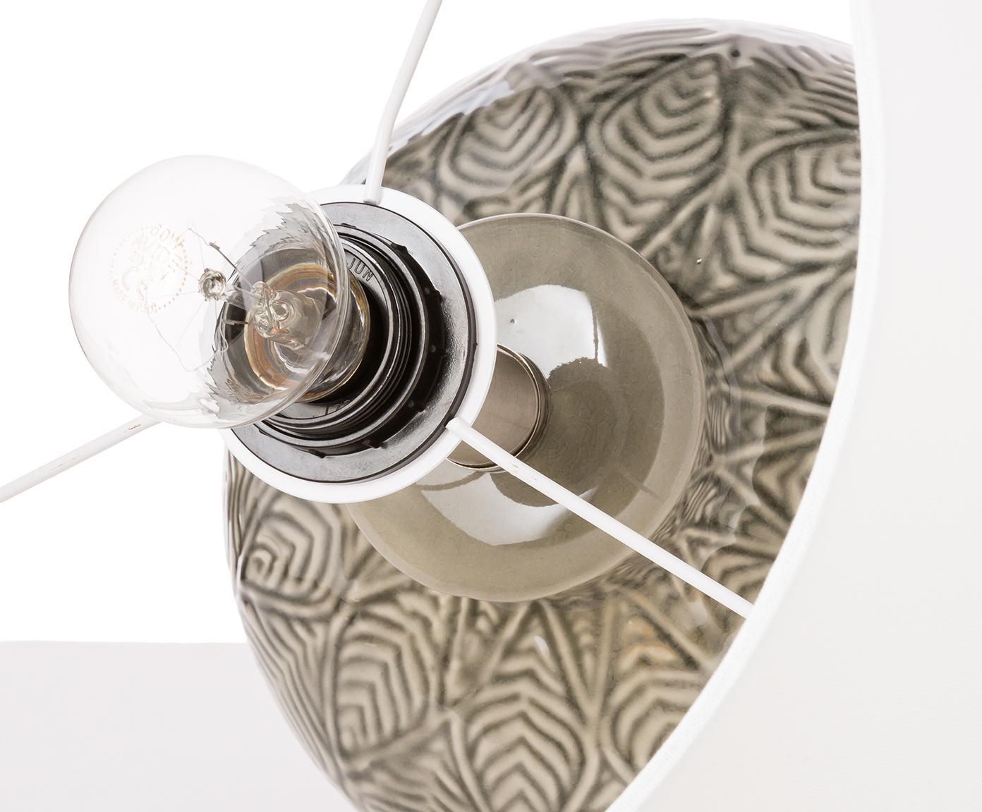 Tafellamp Brooklyn, Voetstuk: kristalglas, Lampvoet: keramiek, Lampenkap: textiel, Voetstuk: transparant. Lampvoet: grijs. Lampenkap: crèmekleurig. Snoer: transpar, Ø 33 x H 53 cm