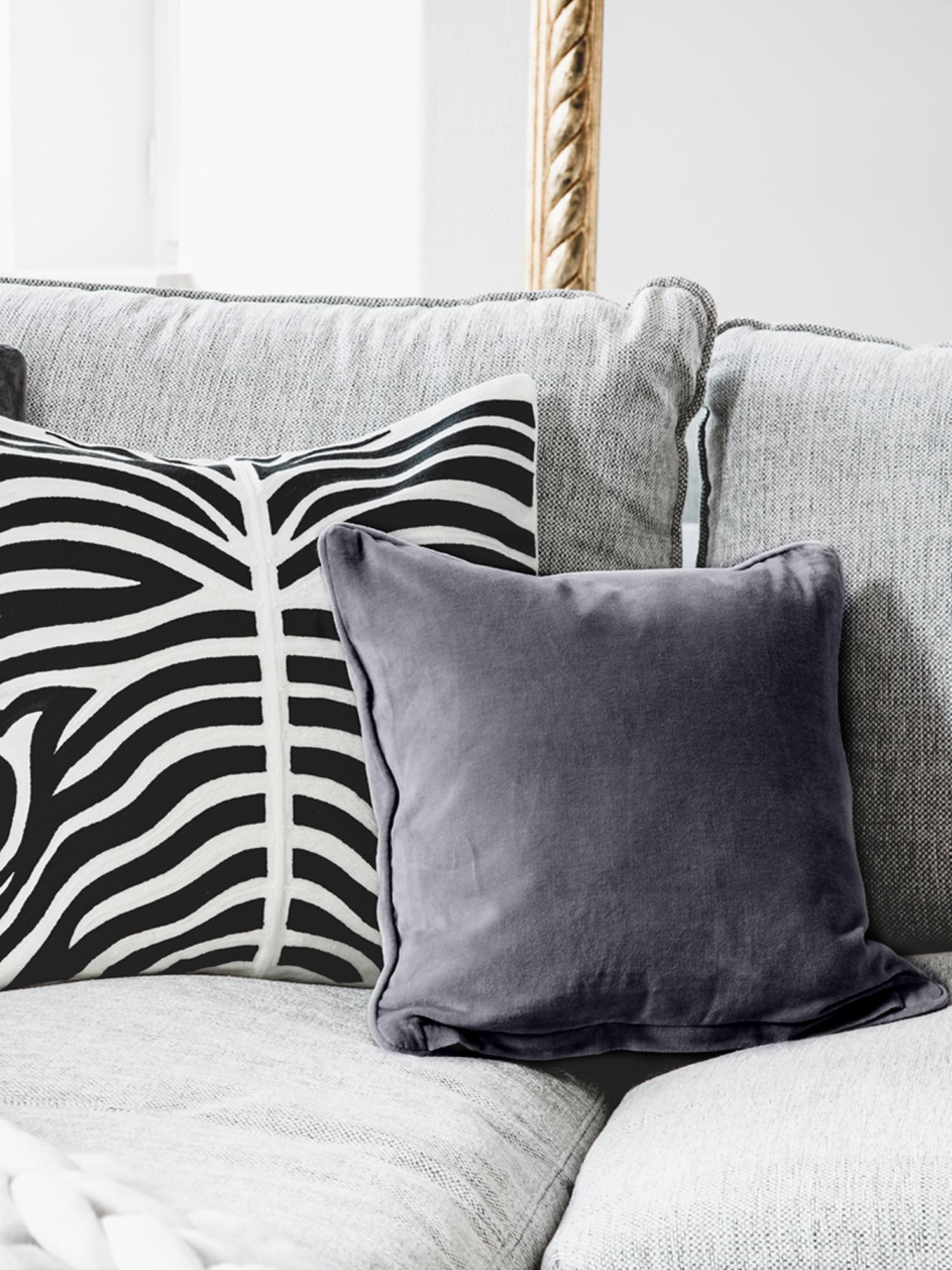Federa arredo in velluto grigio scuro Dana, Velluto di cotone, Grigio scuro, Larg. 40 x Lung. 40 cm
