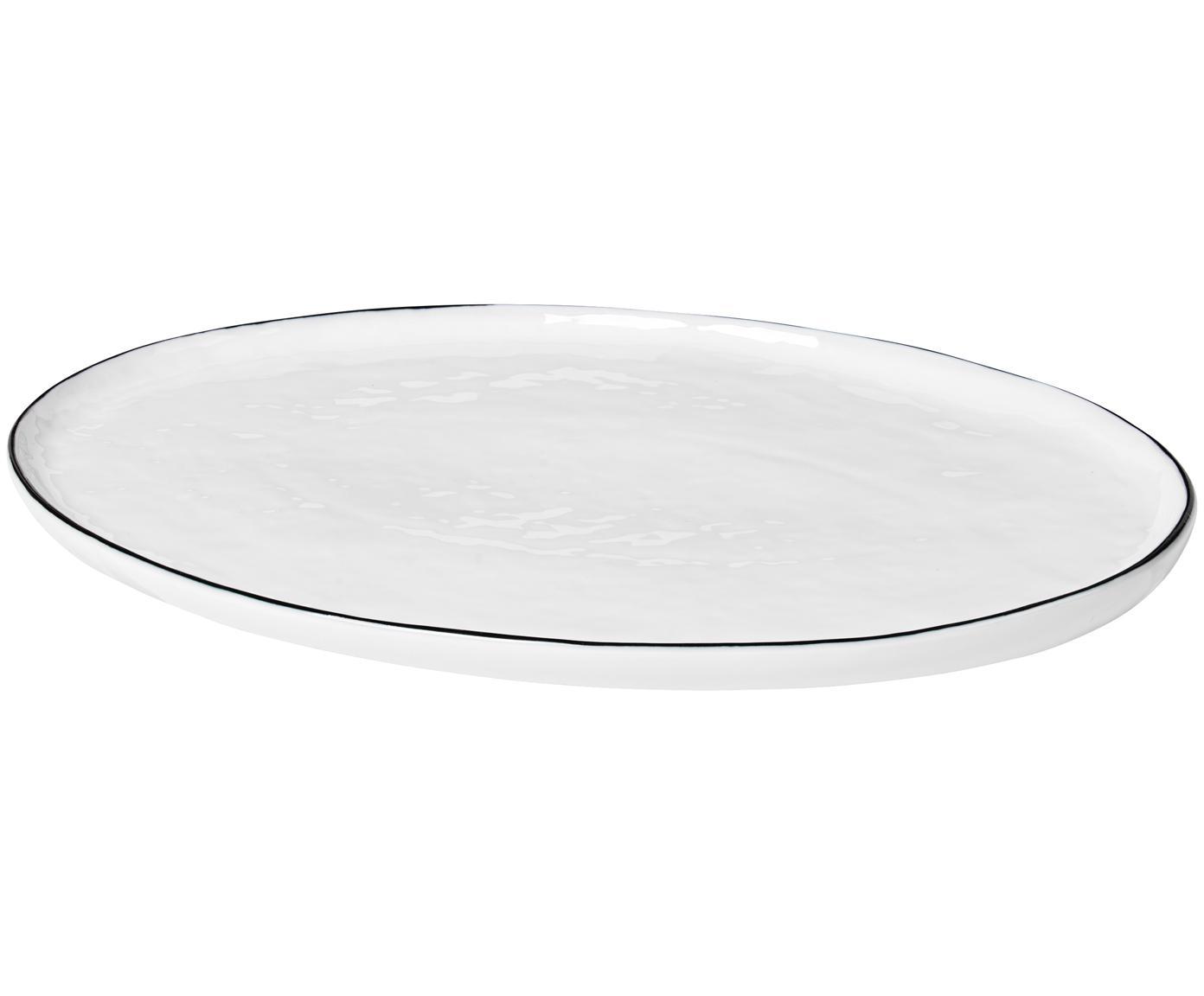 Handgemachte Servierplatte Salt, Porzellan, Gebrochenes Weiss<br>Rand: Schwarz, 20 x 30 cm