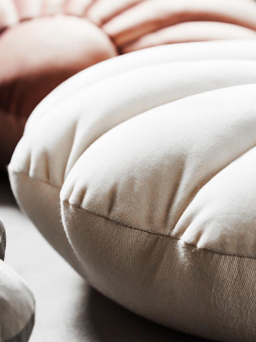 Fluwelen kussen Shell, Crèmewit, 28 x 30 cm