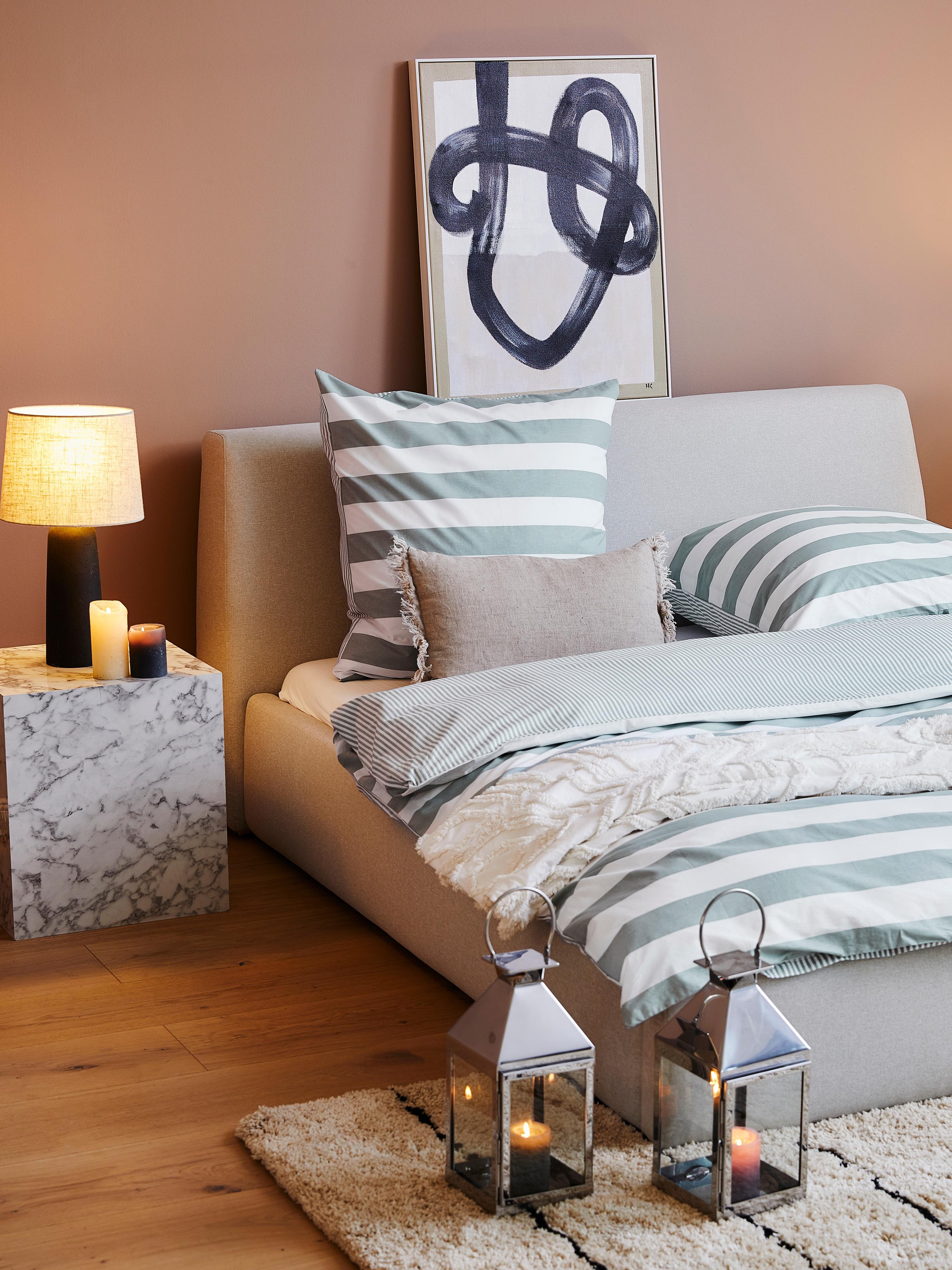 Łóżko tapicerowane ze schowkiem Cloud, Korpus: lite drewno sosnowe, Tapicerka: poliester (materiał tekst, Jasny szary, 180 x 200 cm