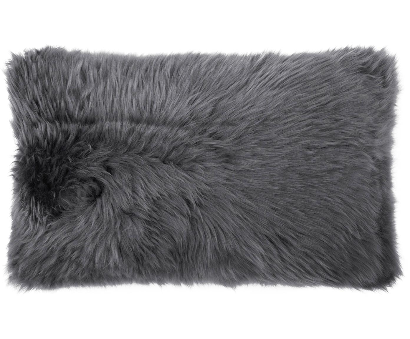 Funda de cojín de piel de oveja Oslo, Parte delantera: piel de oveja, Parte trasera: lino, Parte delantera: gris oscuro Parte trasera: gris oscuro, An 30 x L 50 cm