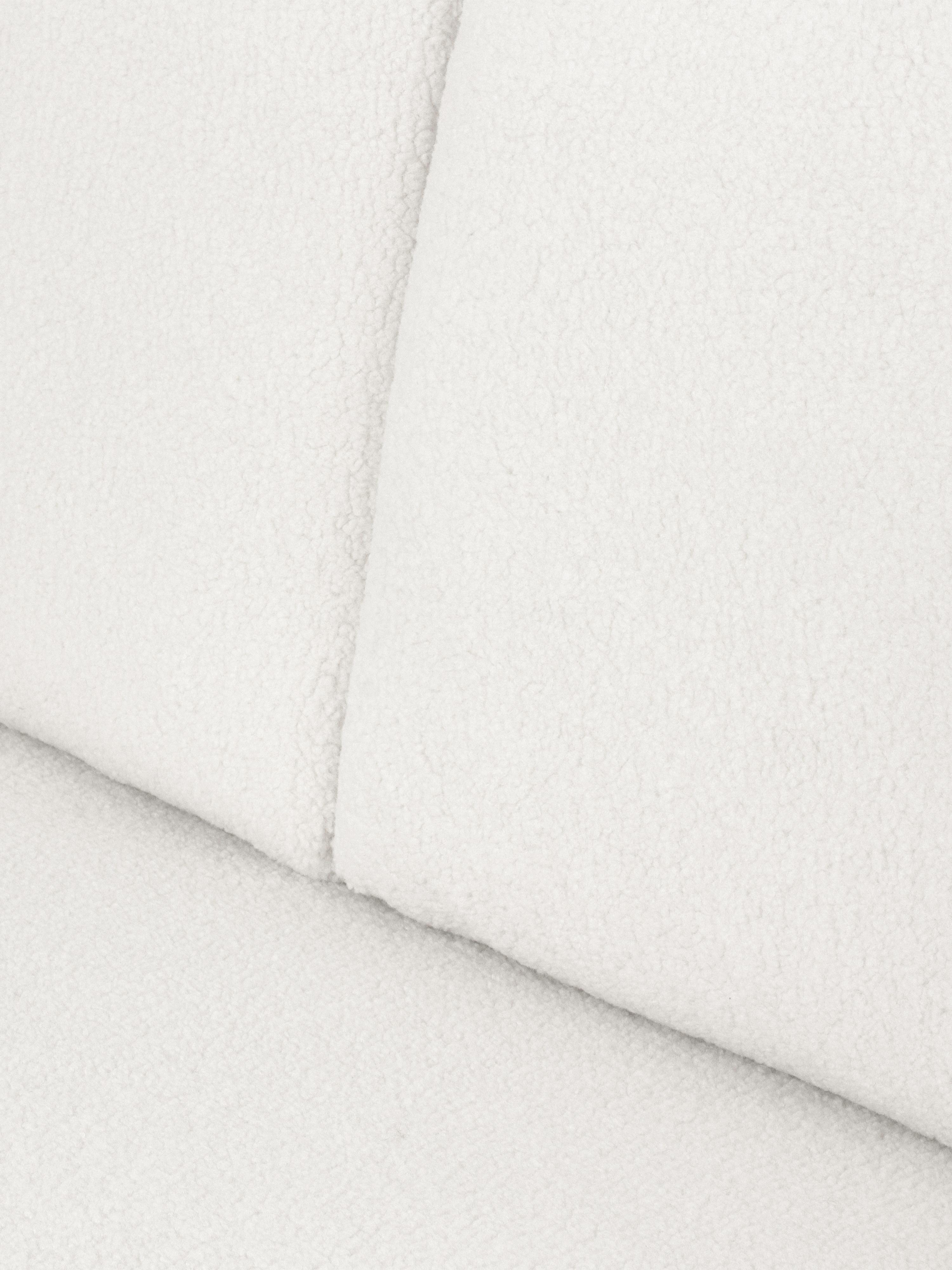 Teddy-Sofa Fluente (2-Sitzer), Bezug: 100% Polyester (Teddyfell, Gestell: Massives Kiefernholz, Füße: Metall, pulverbeschichtet, Teddy Cremeweiß, B 166 x T 85 cm