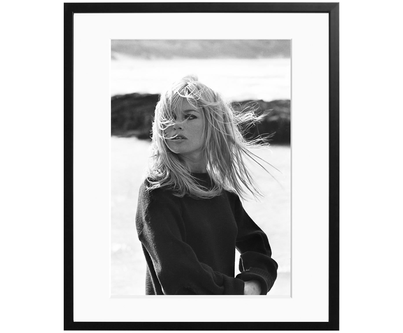Ingelijste foto Bardot Poses, Afbeelding: Fuji Crystal Archive papi, Lijst: hout, gelakt, Afbeelding: zwart, wit<br>Lijst: zwart<br>voorkant: transparant, 50 x 60 cm