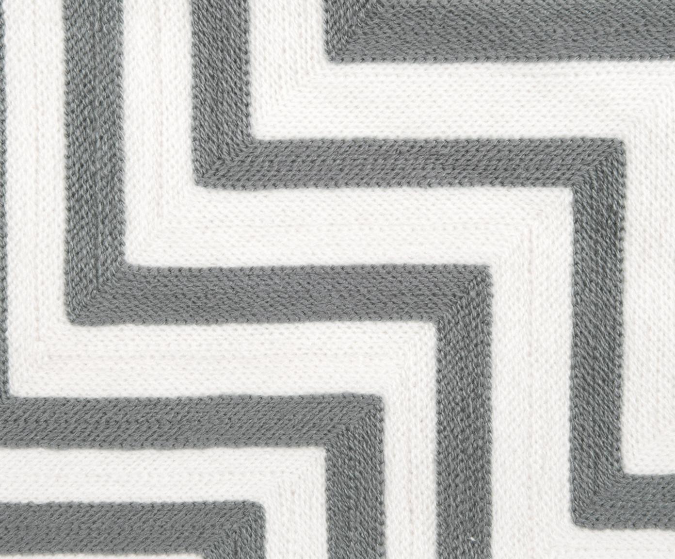 Bestickte Kissenhülle Beverly, Vorderseite: Polyacryl, Rückseite: Baumwolle, Grau, Cremeweiss, 50 x 50 cm