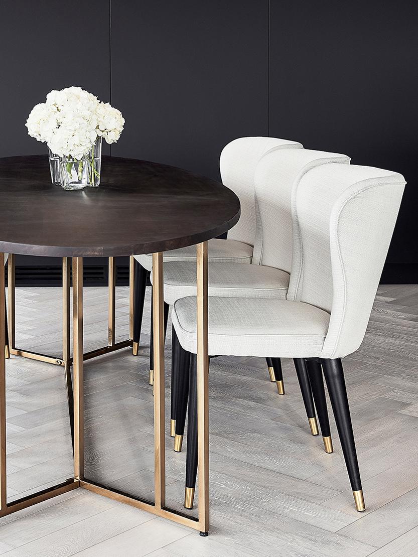 Chaise rembourrée classique Cleo, Tissu blanc crème