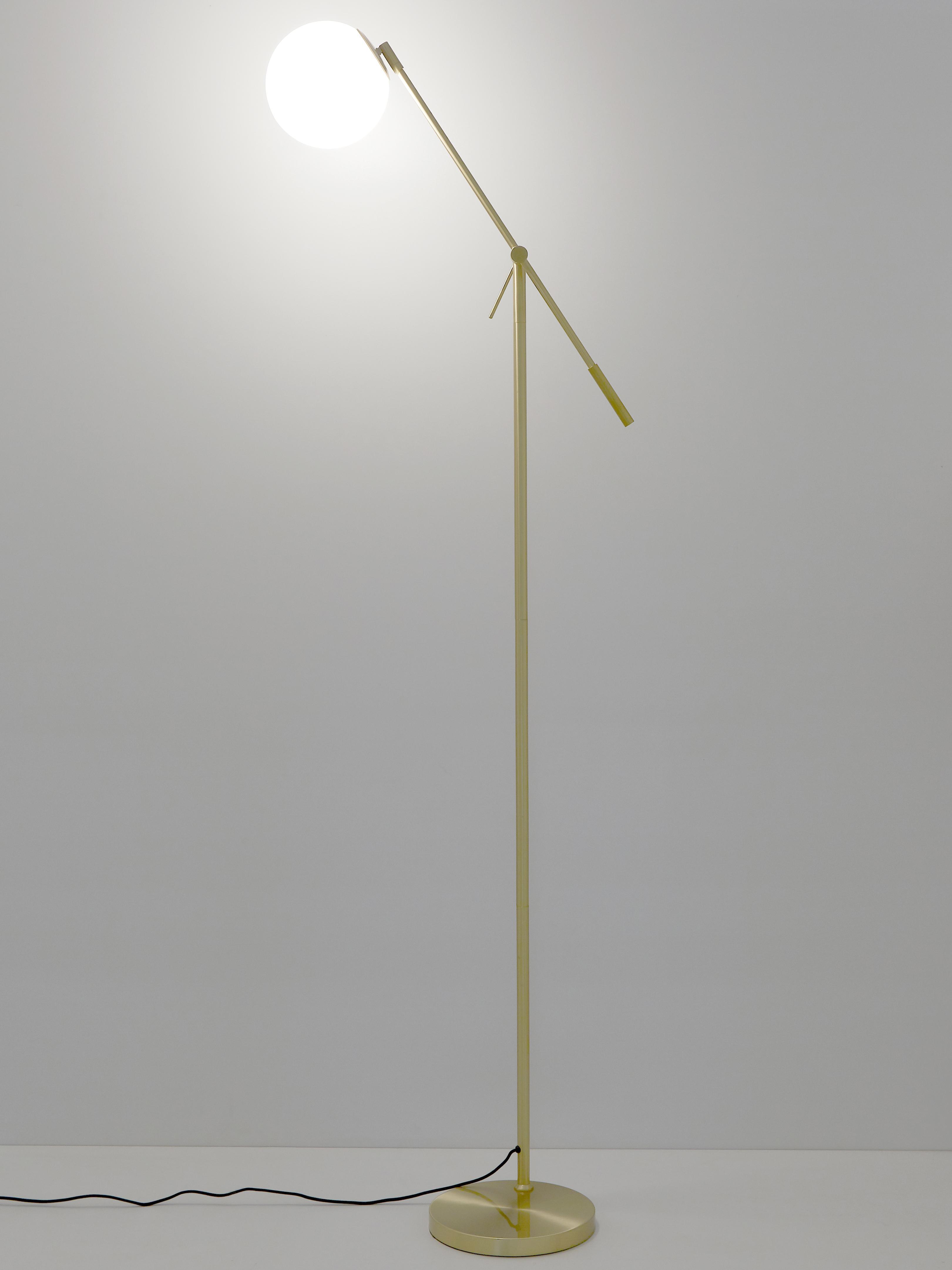 Lampada da terra Moon, Paralume: vetro, Baldacchino e rilegatura: ottone spazzolato paralume: bianco cavo: nero, Ø 17 x Alt. 162 cm