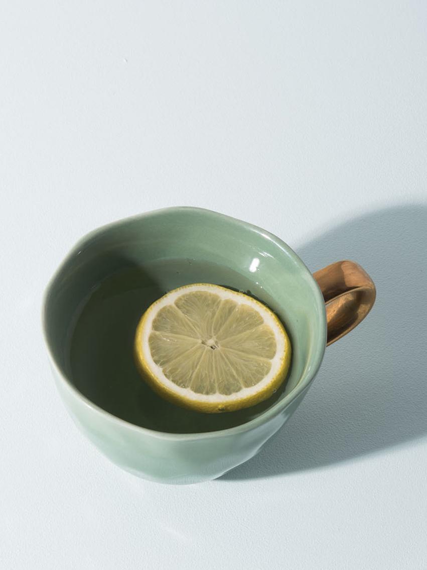 Tasse Good Morning in Dunkelgrün mit goldenem Griff, Steingut, Dunkelgrün, Goldfarben, Ø 11 x H 8 cm
