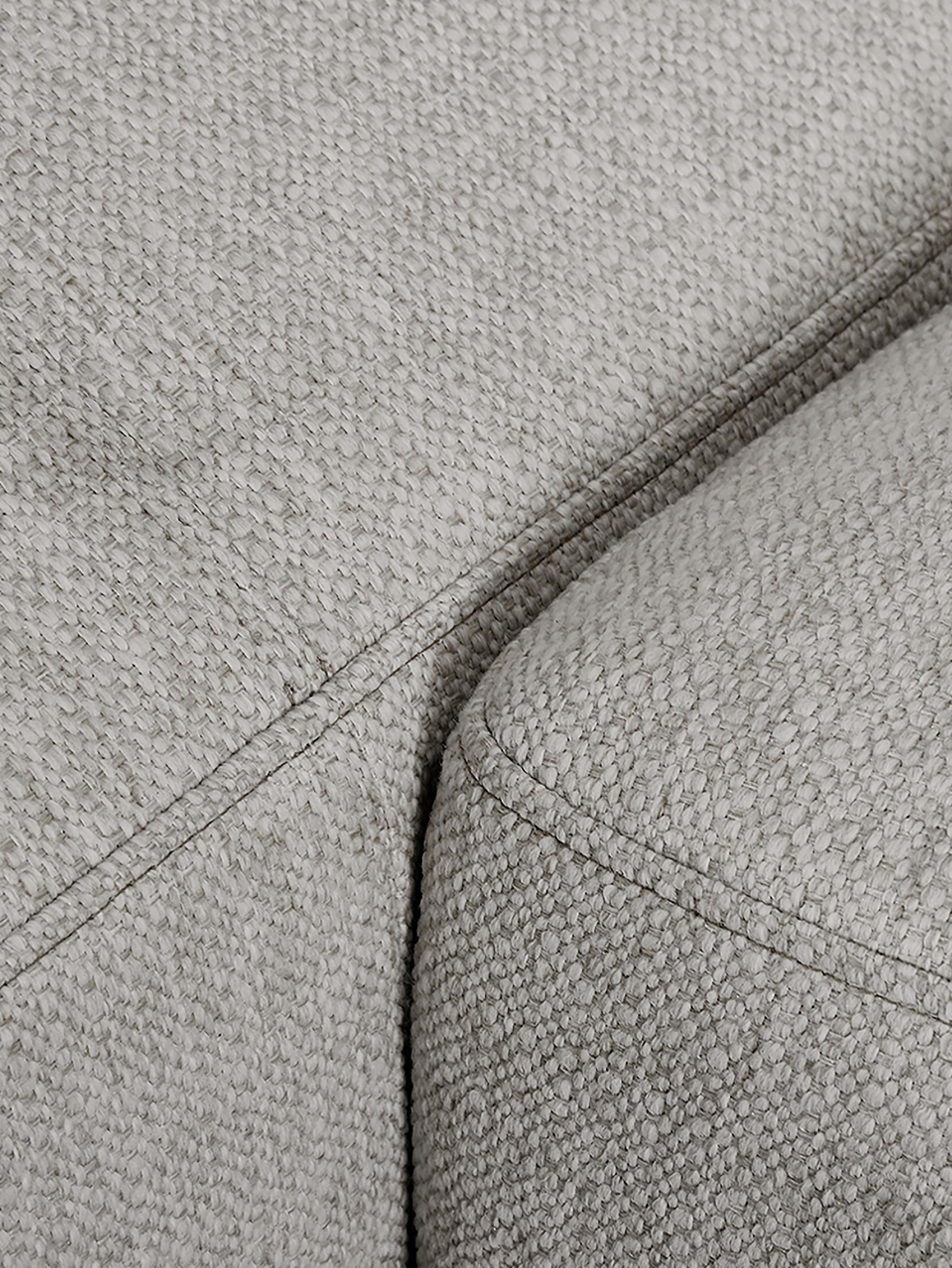 Divano angolare in tessuto grigio beige Tribeca, Rivestimento: poliestere 26.000 cicli d, Rivestimento: cuscino in schiuma con mo, Seduta: imbottitura in schiuma, f, Struttura: legno di pino massiccio, Tessuto grigio beige, Larg. 405 x Prof. 228 cm