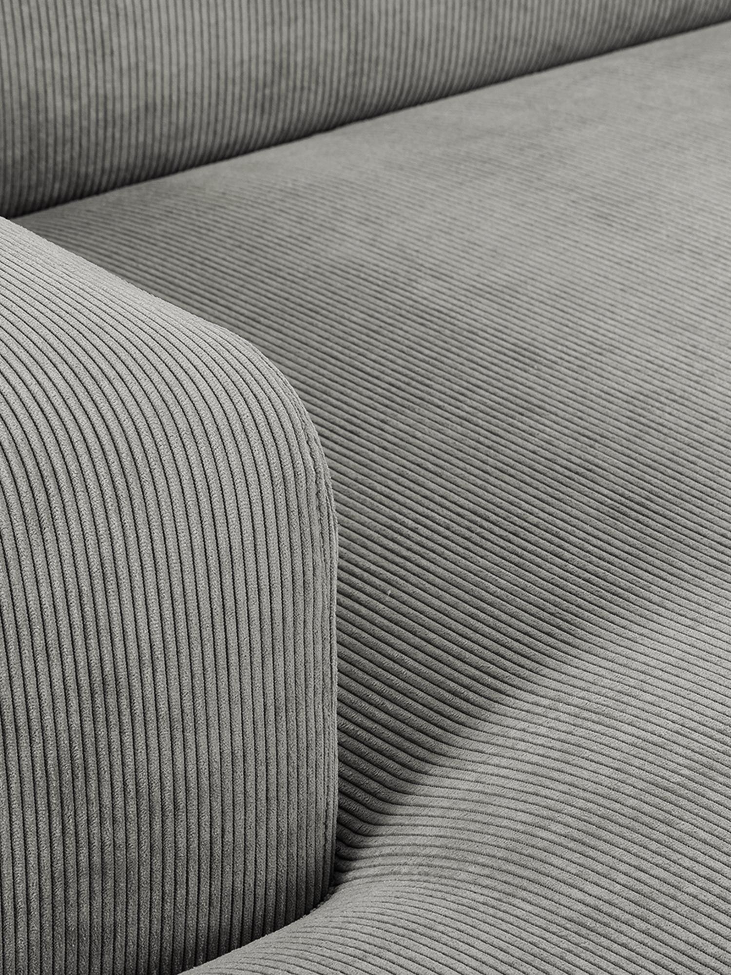Corduroy hoekbank Melva (3-zits), Bekleding: corduroy (92% polyester, , Frame: massief grenenhout, spaan, Poten: grenenhout, Grijs, B 240 x D 144 cm