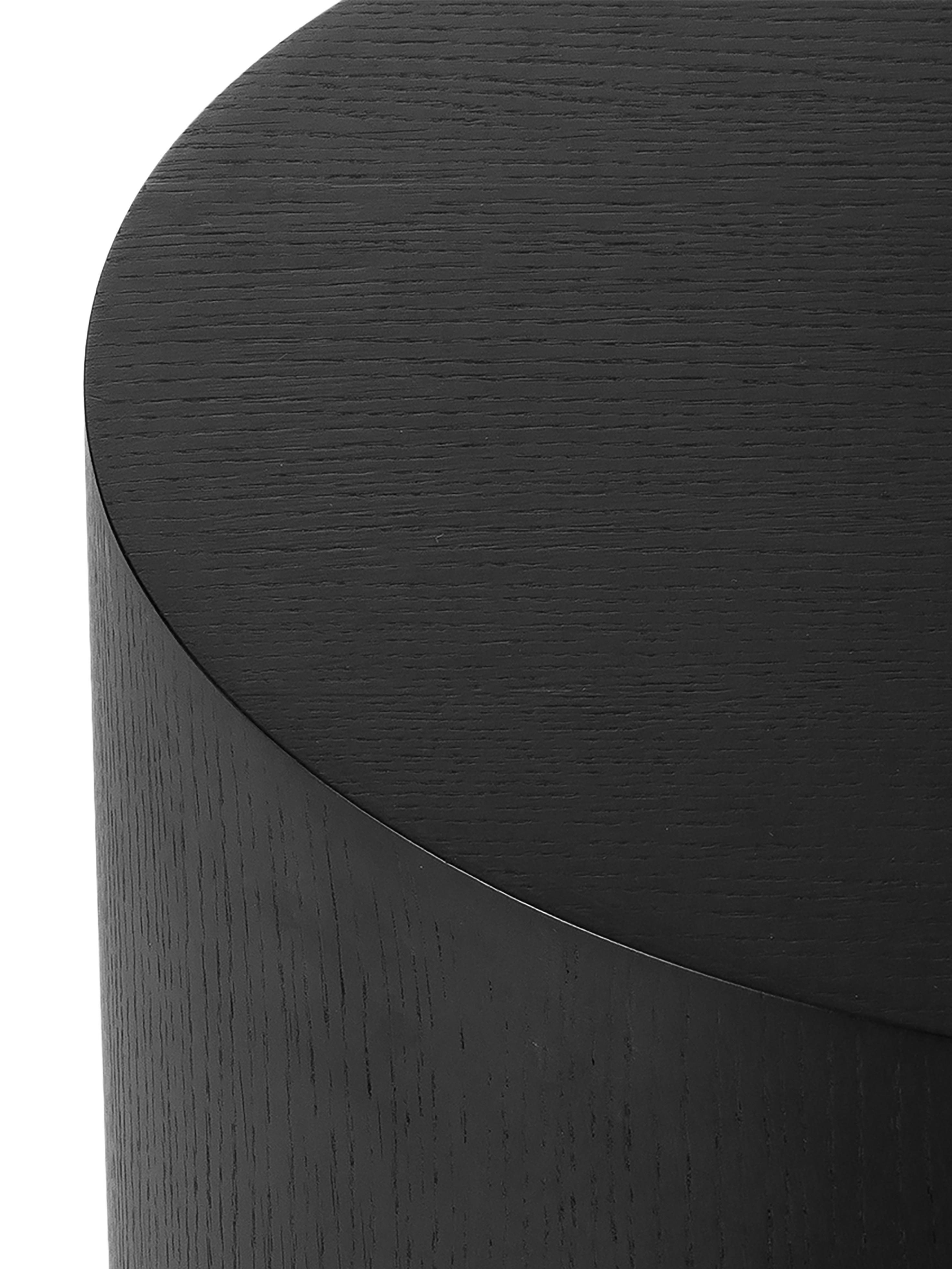 Tavolino rotondo nero Clarice, Struttura: legno di frassino, nero verniciato Gamba: dorato, Ø 40 x Alt. 50 cm