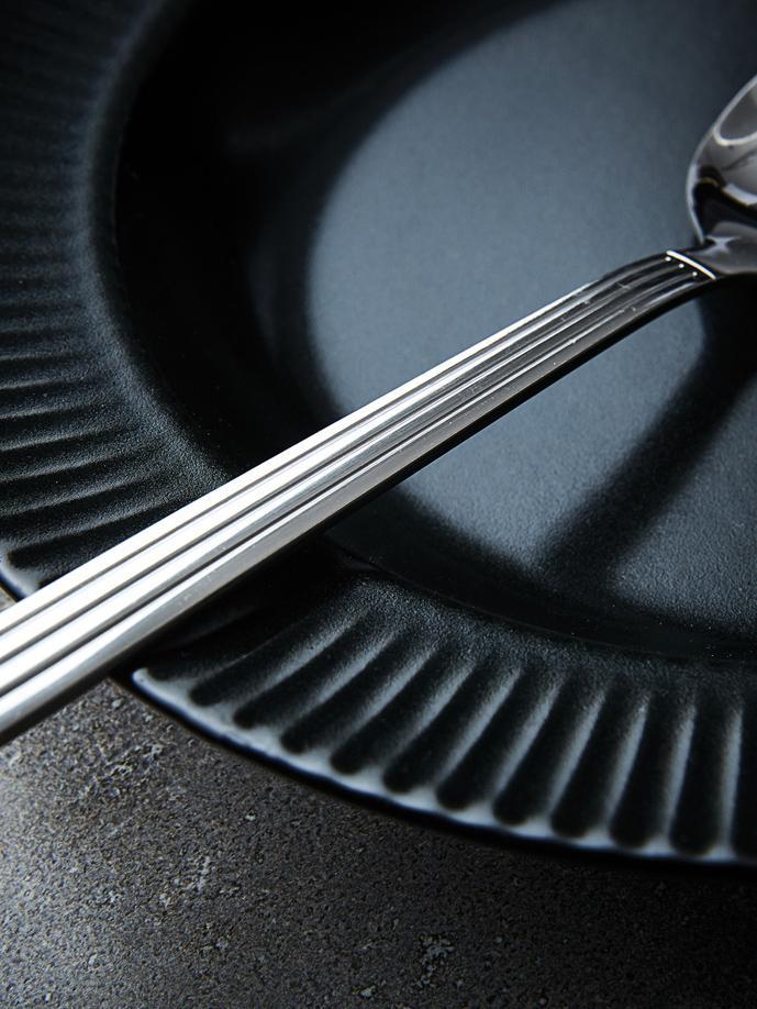 Schwarze Suppenteller Groove mit Rillenstruktur, 4 Stück, Steingut, Schwarz, Ø 23 x H 4 cm