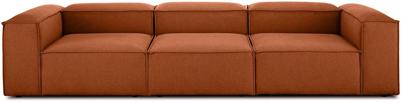 Modulares Sofa Lennon (4-Sitzer), Bezug: Polyester Der hochwertige, Gestell: Massives Kiefernholz, Spe, Füße: Kunststoff, Webstoff Terrakotta, B 326 x T 119 cm
