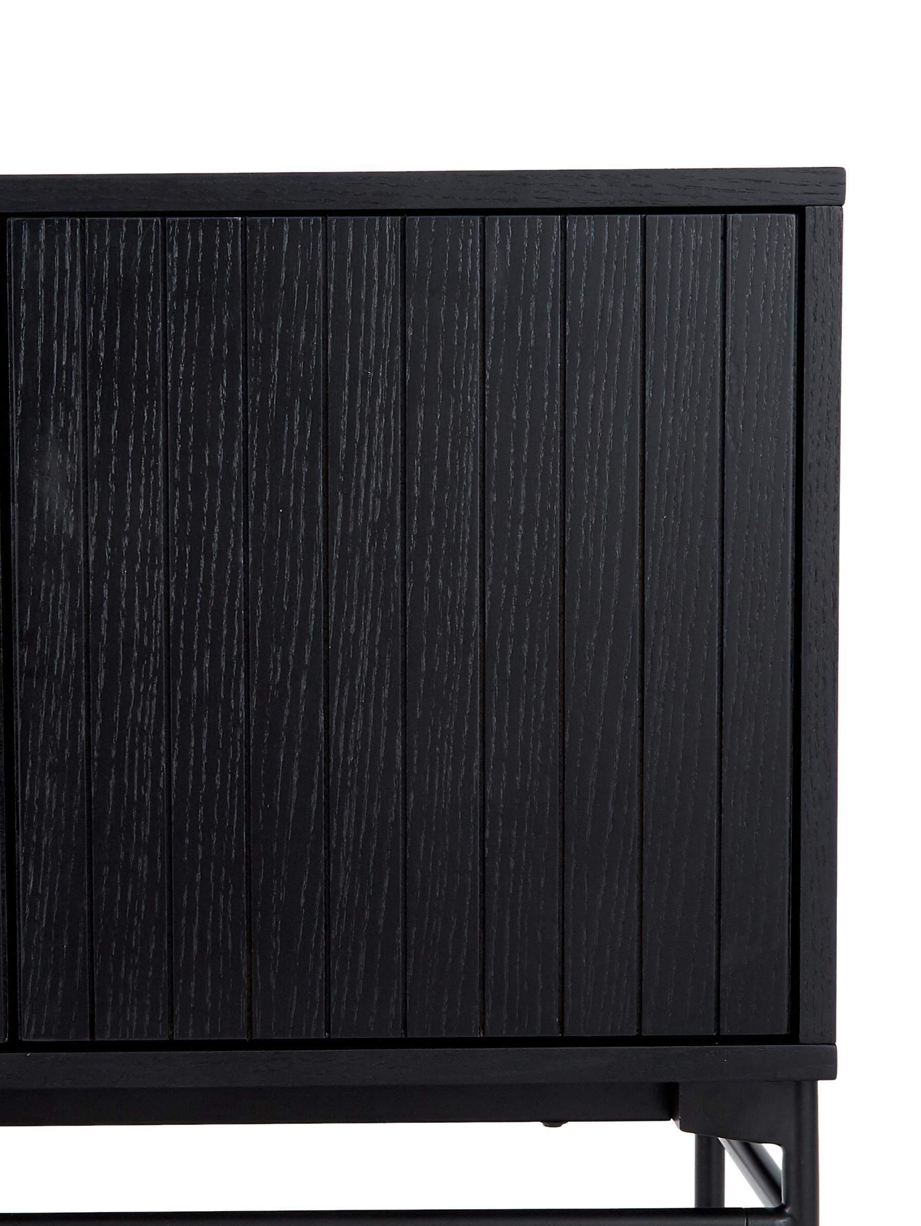 Modernes Sideboard Johan, Korpus: Mitteldichte Holzfaserpla, Korpus: Eichenholzfurnier, schwarz lackiertFüsse: Schwarz, matt, 160 x 75 cm