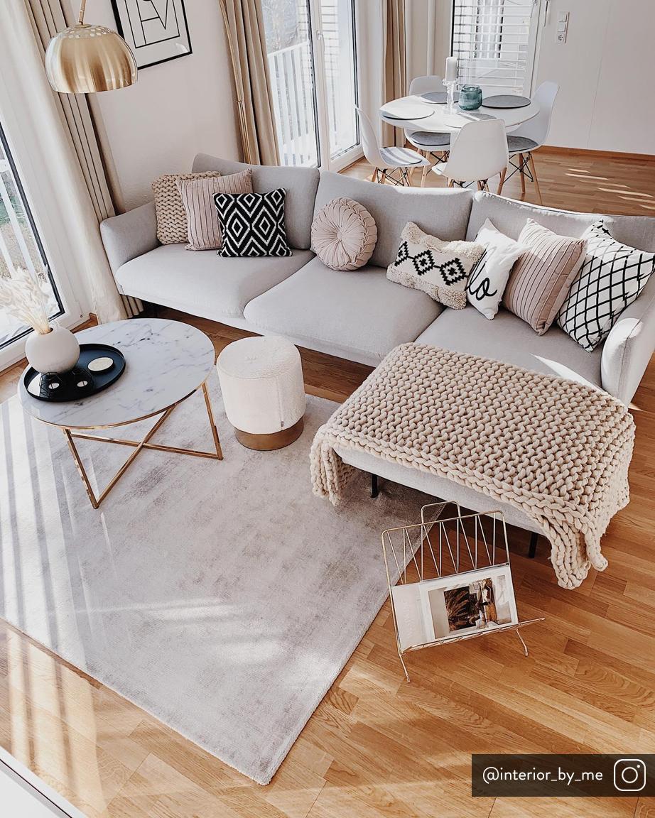 Hoekbank Moby, Bekleding: polyester, Frame: massief grenenhout, Poten: gepoedercoat metaal, Lichtgrijs, B 280 x D 160 cm