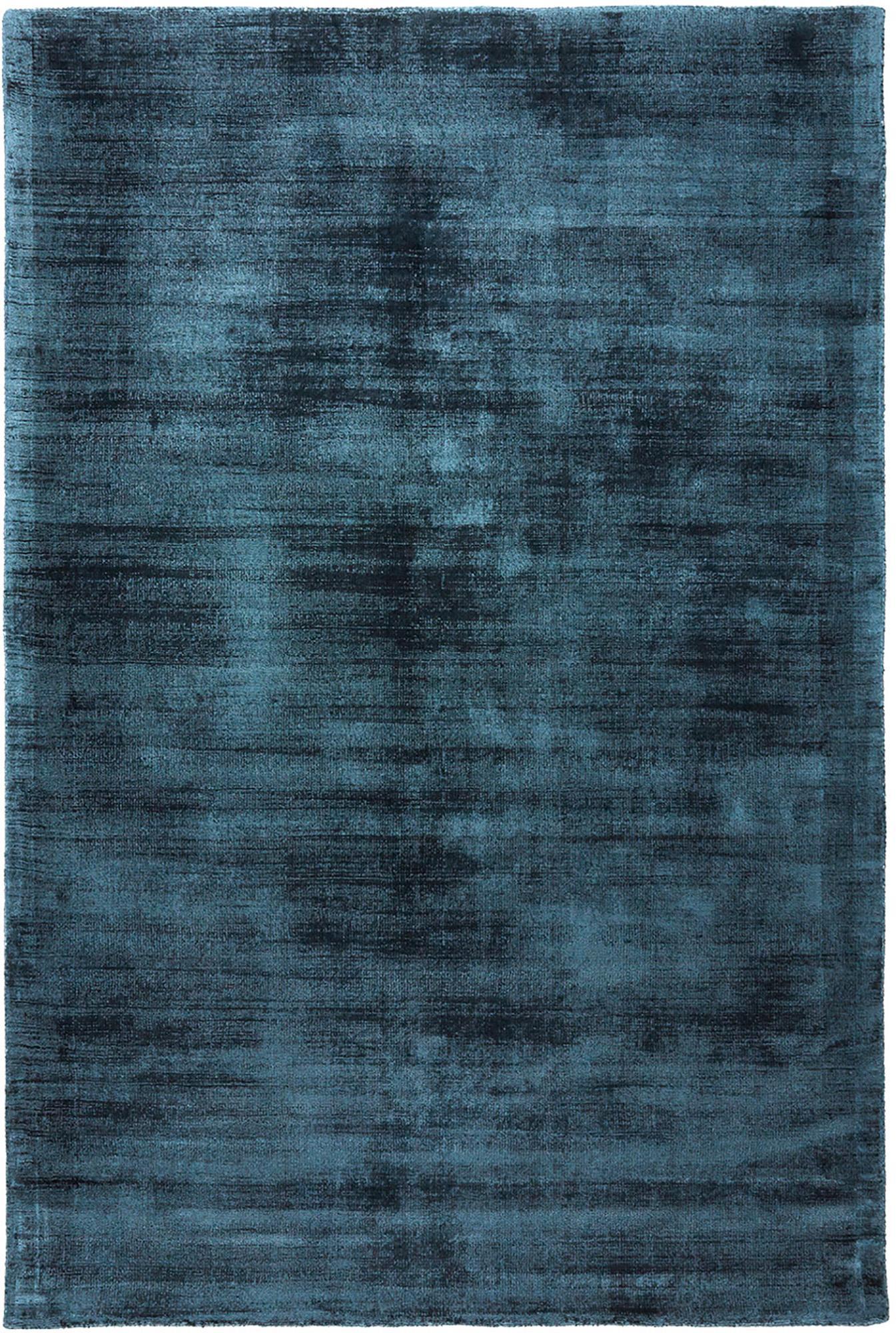 Handgeweven viscose vloerkleed Jane in petrolblauw, Bovenzijde: 100% viscose, Onderzijde: 100% katoen, Petrolblauw, B 120 x L 180 cm (maat S)