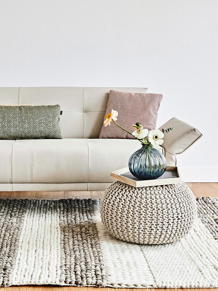 Handgefertigter Strickpouf Dori, Bezug: 100% Baumwolle, Beige, Ø 55 x H 35 cm