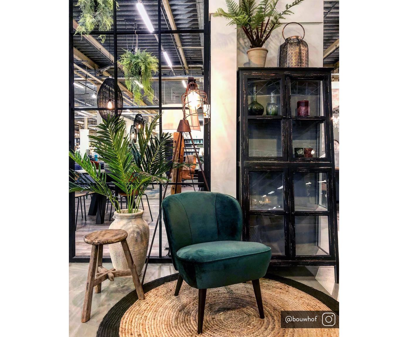 Fluwelen stoel Lucky, Bekleding: fluweel (polyester), Frame: grenenhout, multiplex, Poten: rubberhout, Bekleding: donkergroen. Poten: zwart, B 59 x D 68 cm