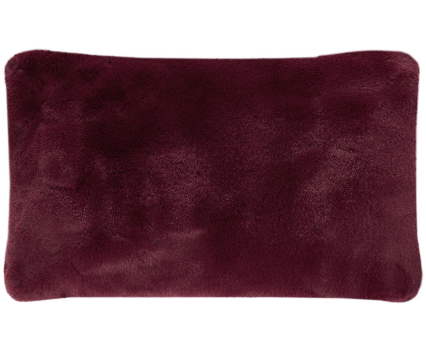 Sehr flauschige Kunstfell-Kissenhülle Mette, glatt, Vorderseite: 100% Polyester, Rückseite: 100% Polyester, Dunkelrot, 30 x 50 cm