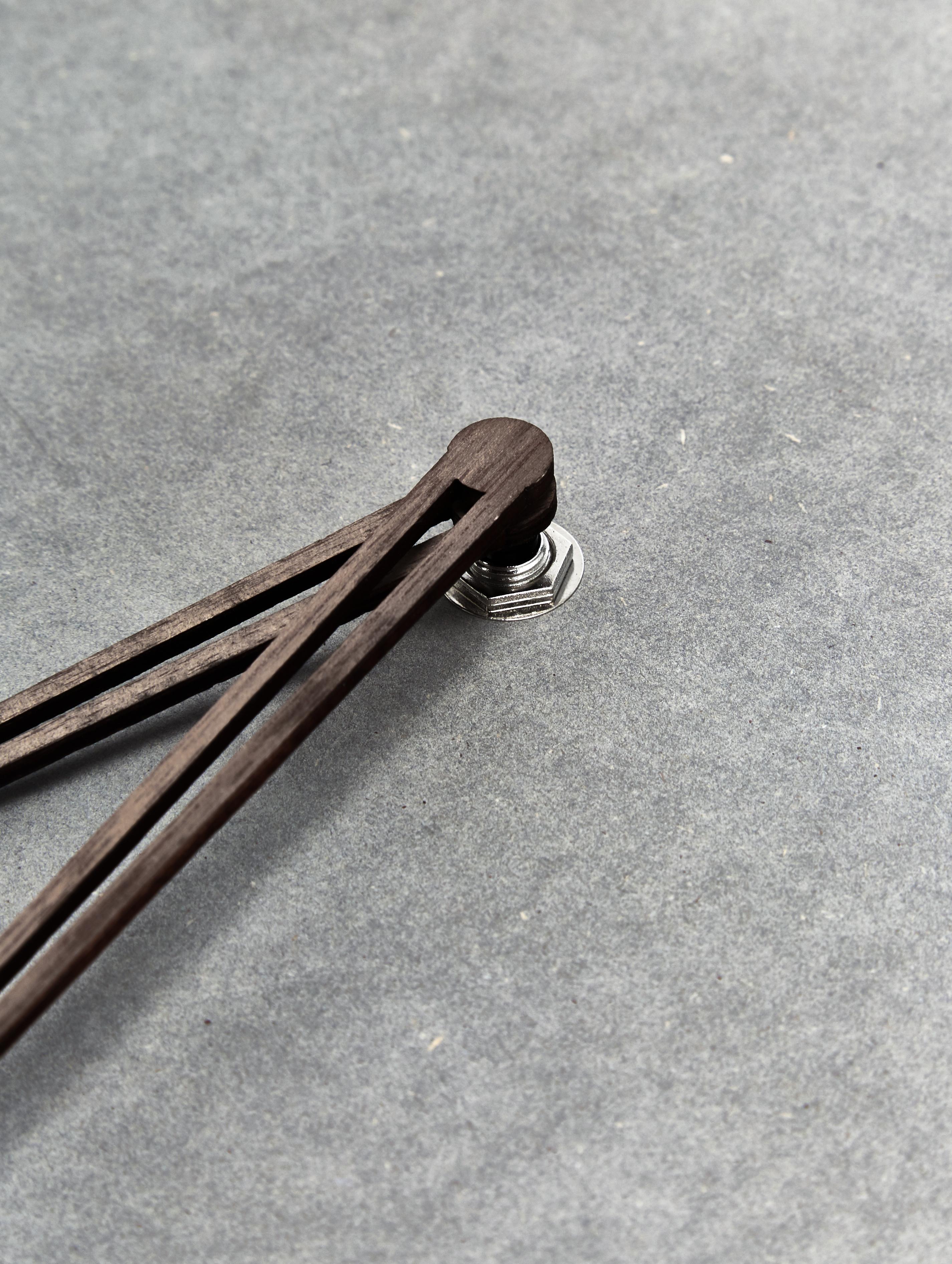 Wanduhr Dura aus Holz, Mitteldichte Holzfaserplatte (MDF), Grau, Braun, Ø 29 x T 3 cm