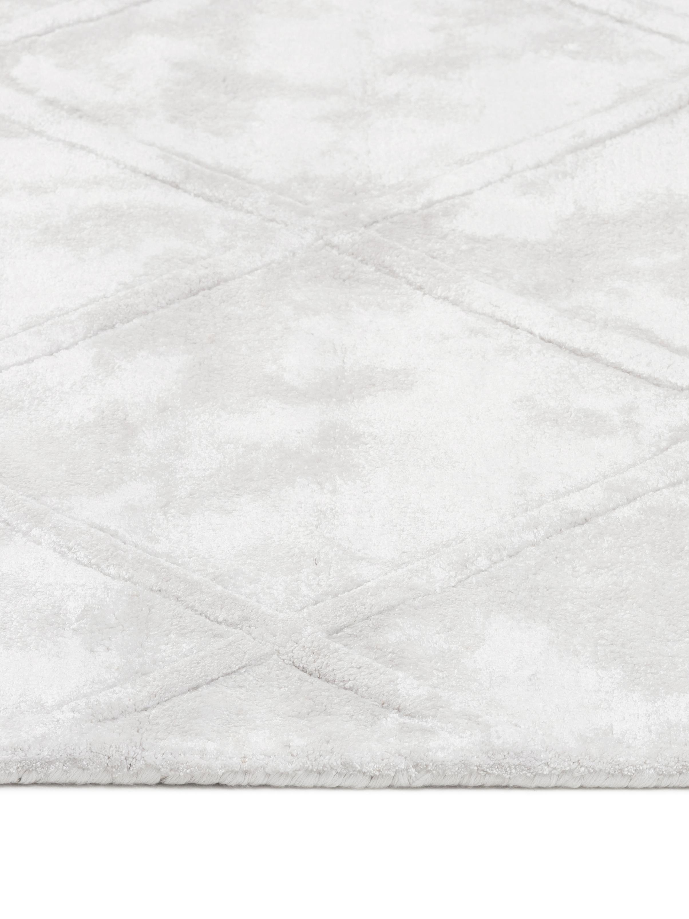 Alfombra artesanal de viscosa Madeleine, Parte superior: 100%viscosa, Reverso: 100%algodón, Crema, An 120 x L 180 cm (Tamaño S)