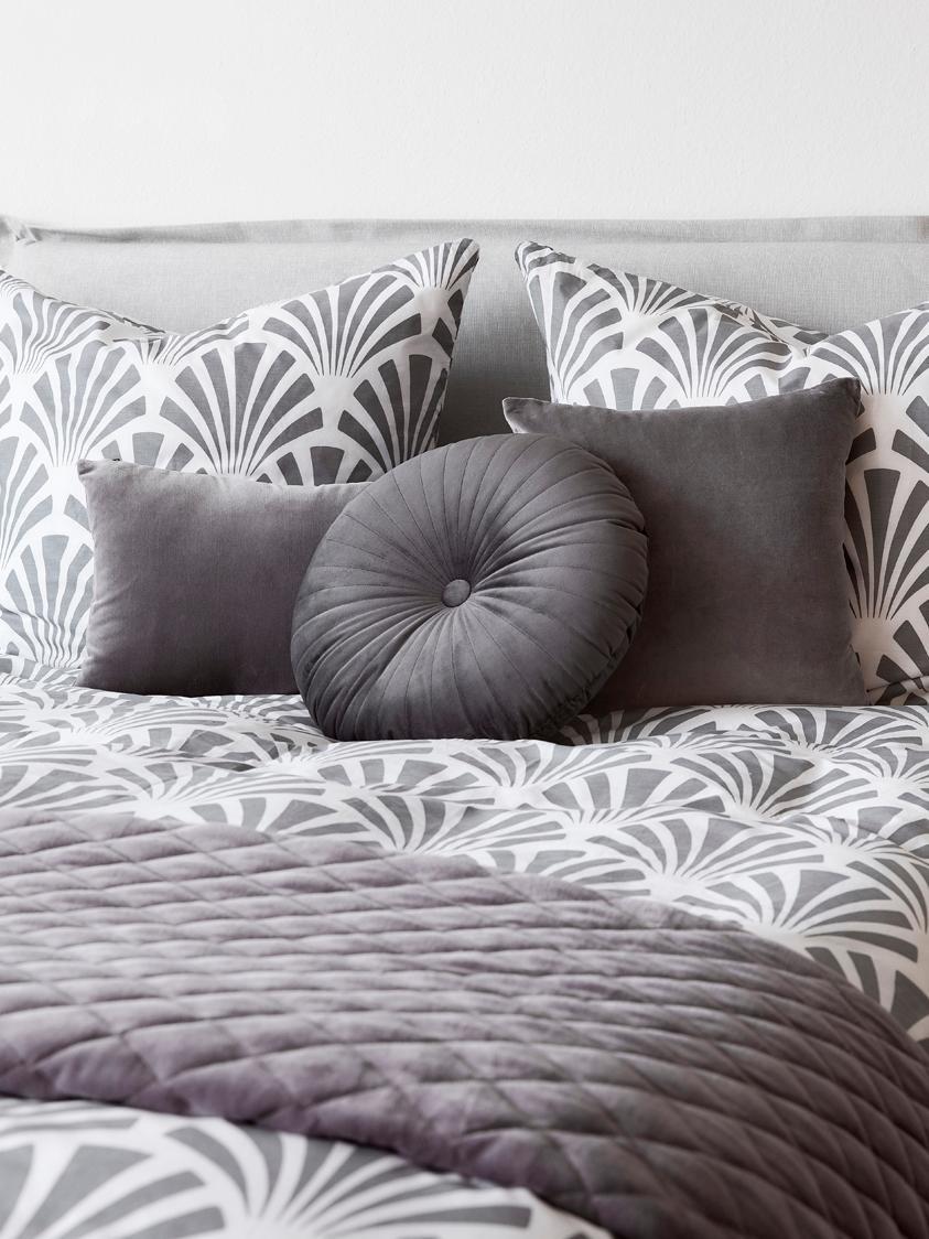 Rundes glänzendes Samt-Kissen Monet, mit Inlett, Bezug: 100% Polyestersamt, Dunkelgrau, Ø 40 cm