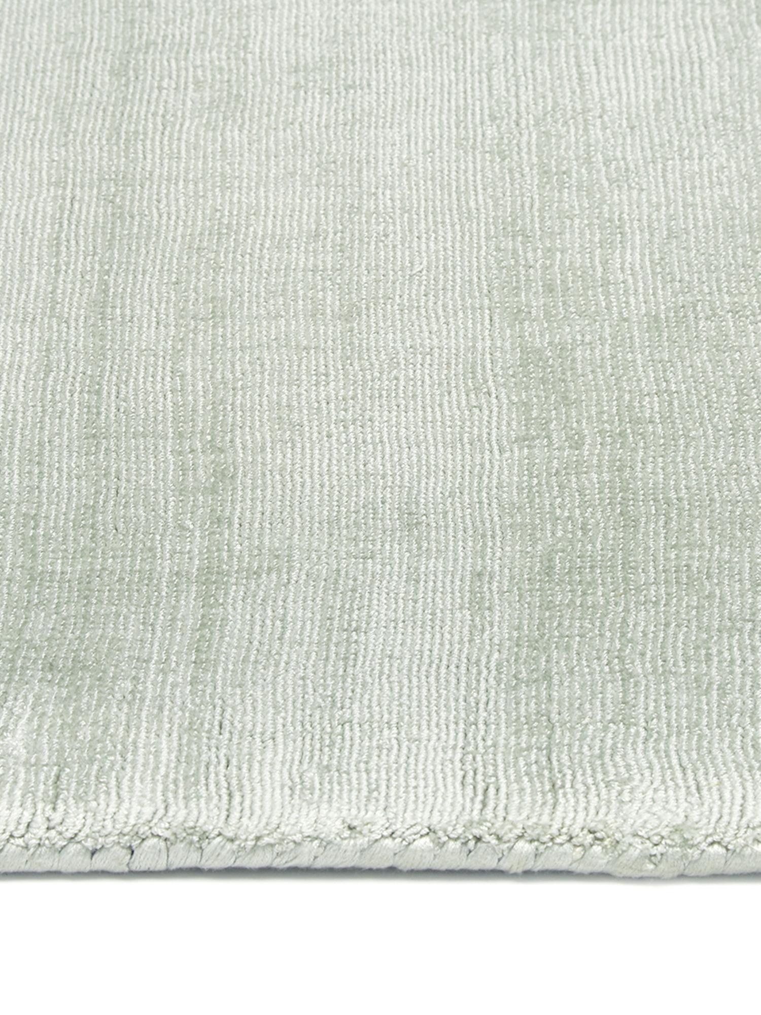 Handgewebter Viskoseteppich Jane in Lindgrün, Flor: 100% Viskose, Lindgrün, B 160 x L 230 cm (Grösse M)