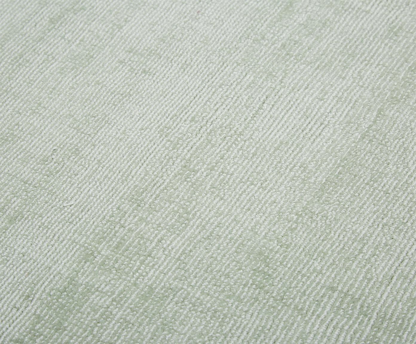 Handgeweven viscose vloerkleed Jane, Bovenzijde: 100% viscose, Onderzijde: 100% katoen, Mintgroen, 160 x 230 cm