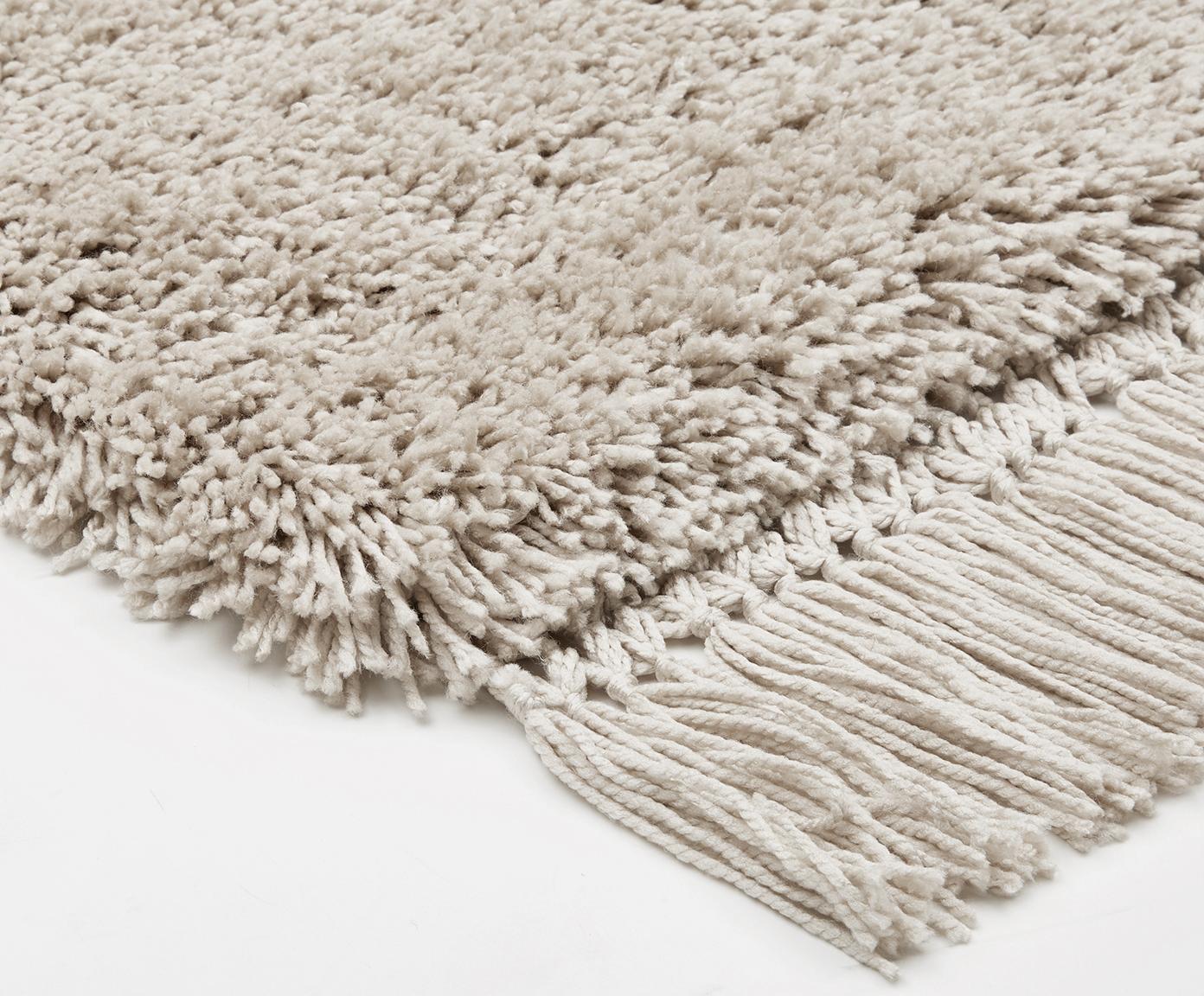 Pluizig hoogpolig vloerkleed Dreamy met franjes, Bovenzijde: 100% polyester, Onderzijde: 100% katoen, Crèmekleurig, 200 x 300 cm