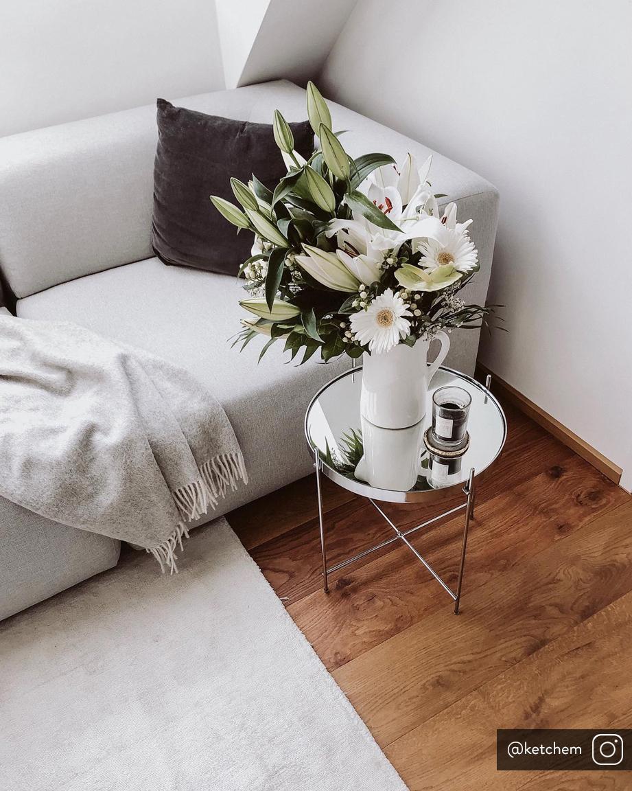 Tavolino-vassoio con piano in vetro Cupid, Struttura: ferro cromato, Piano d'appoggio: vetro temperato, Argento, Ø 43 x Alt. 45 cm