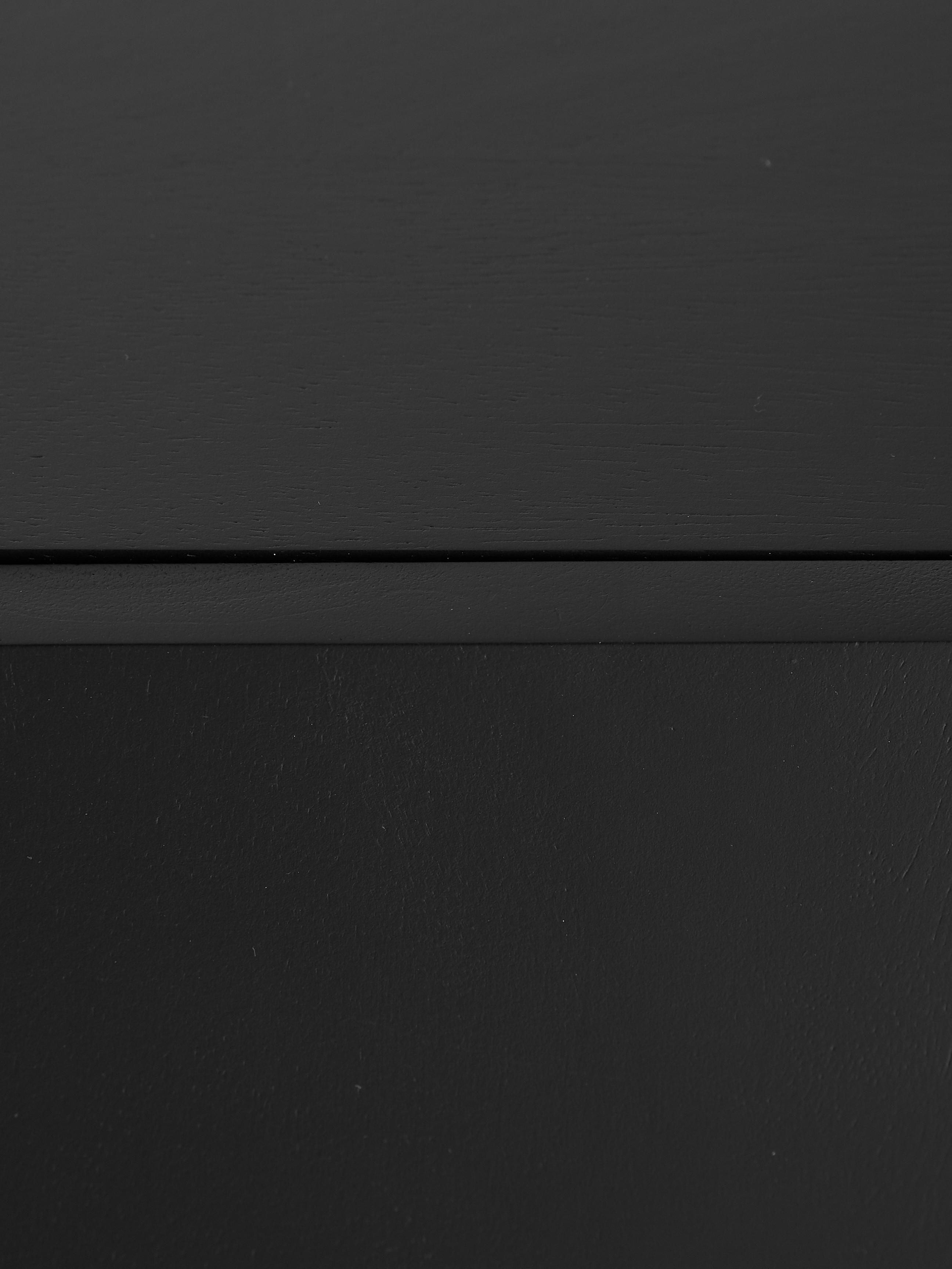 Schwarzes Sideboard Lyle mit Türen, Korpus: Massives Mangoholz, lacki, Mangoholz, schwarz lackiert, 150 x 72 cm