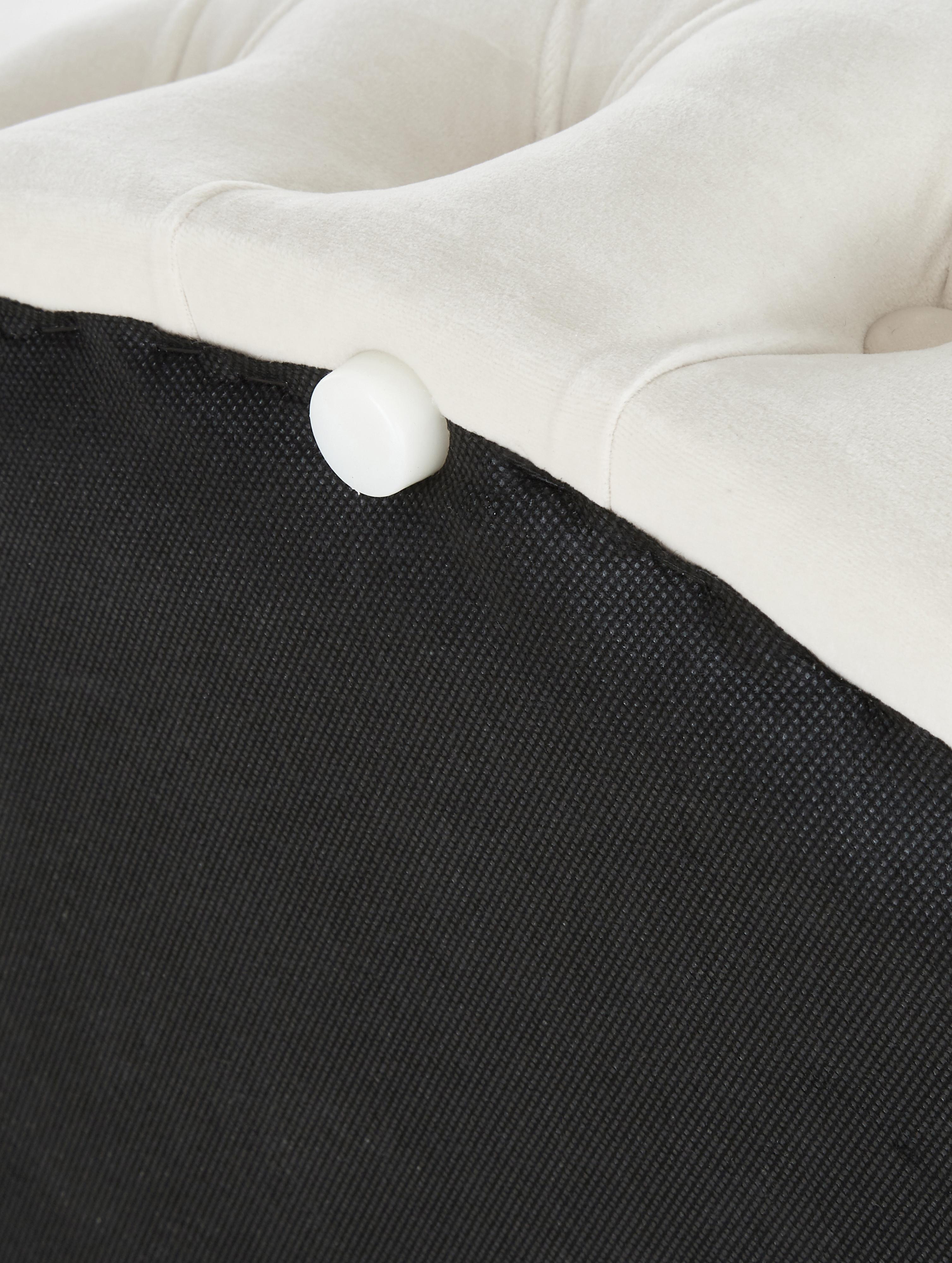 XL Samt-Hocker Chiara mit Stauraum, Bezug: Samt (Polyester) 20.000 S, Korpus: Eukalyptusholz, Cremeweiß, Ø 70 x H 42 cm