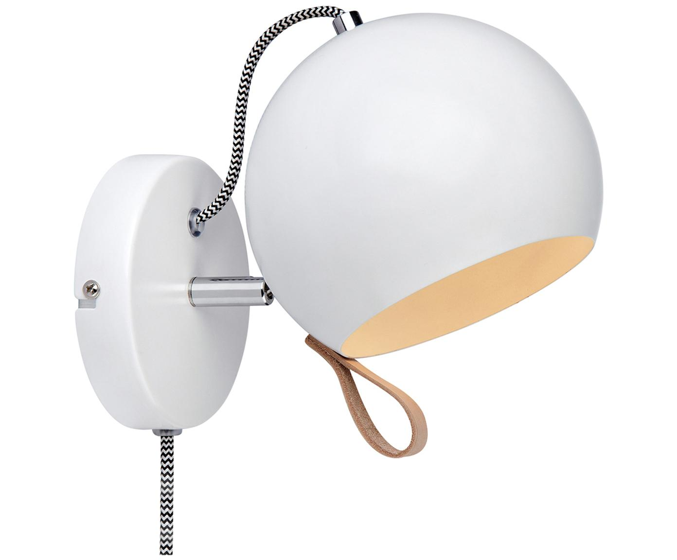 Wandlamp Ball, Lamp: staal, gecoat, Lamp binnenzijde en buitenzijde: wit. Snoer: zwart, wit. Lus: bruin, 21 x 19 cm
