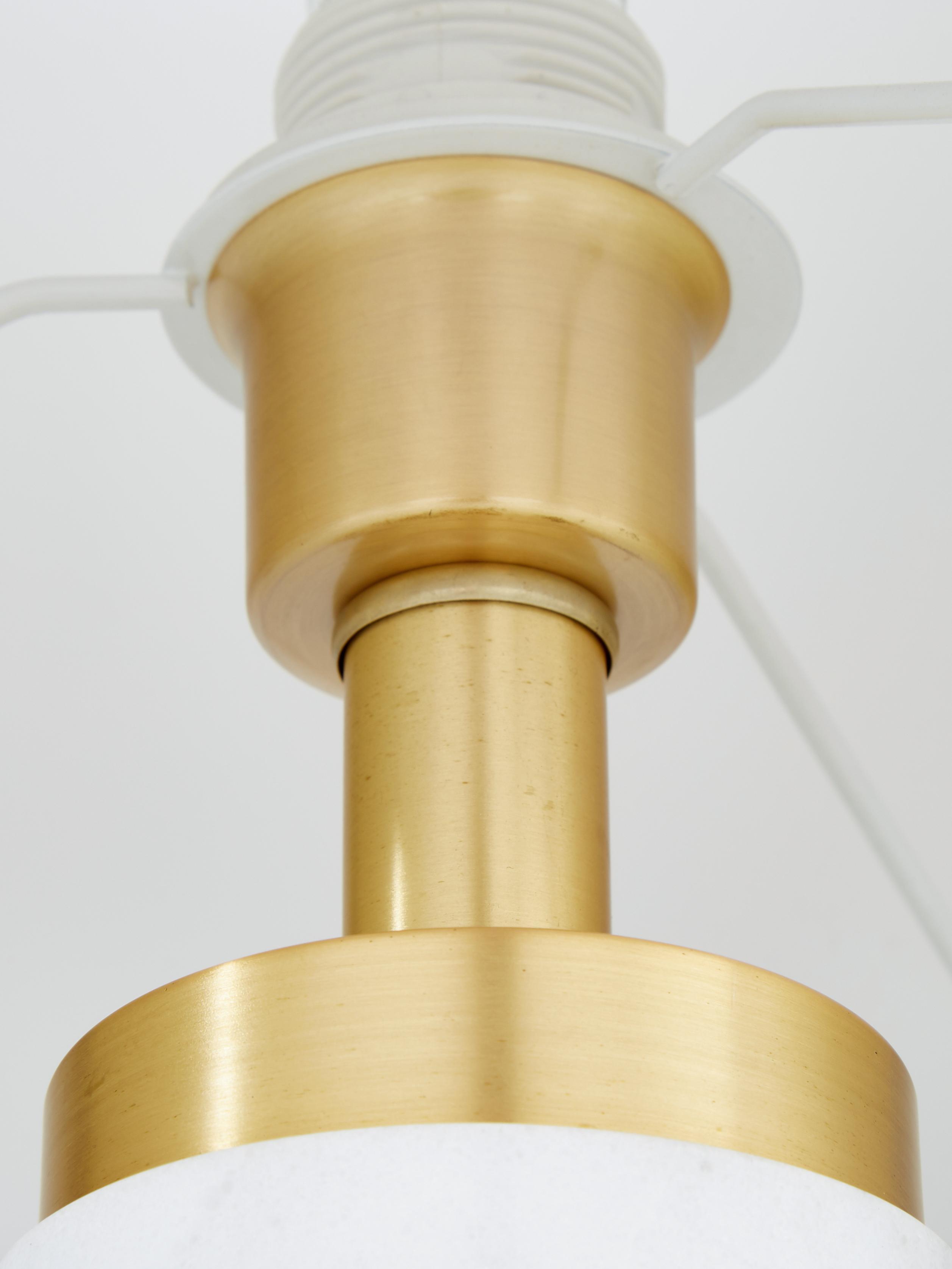 Glam-Tischlampe Miranda mit Marmorfuß, Lampenschirm: Textil, Lampenfuß: Marmor, Messing, gebürste, Weiß,Messingfarben, Ø 28 x H 48 cm