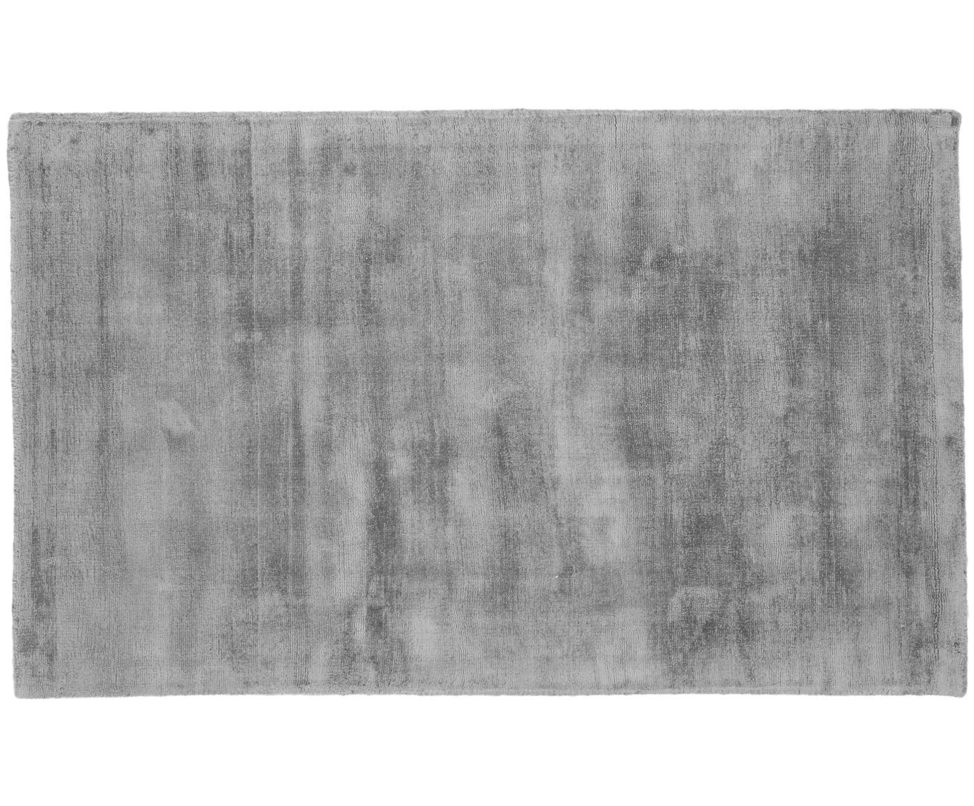 Handgeweven viscose vloerkleed Jane, Bovenzijde: 100% viscose, Onderzijde: 100% katoen, Grijs, B 90 x L 150 cm (maat XS)