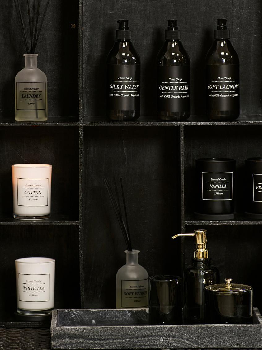 Vela perfumada White Tea (té blanco y polvo), Blanco, negro, Ø 8 x Al 10 cm
