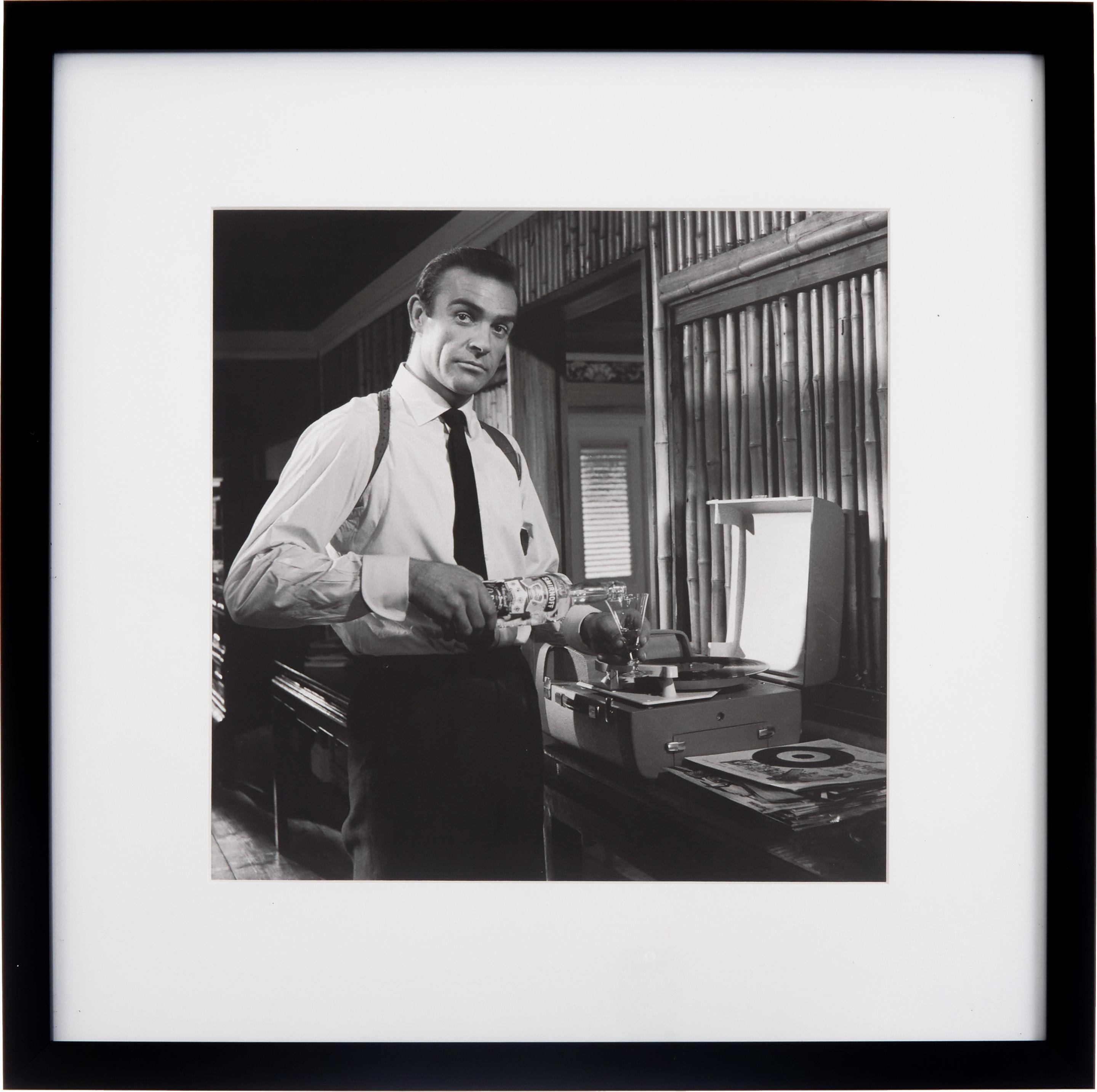 Gerahmter Digitaldruck Connery, Bild: Digitaldruck, Rahmen: Kunststoff, Front: Glas, Bild: Schwarz, Weiss<br>Rahmen: Schwarz, 40 x 40 cm