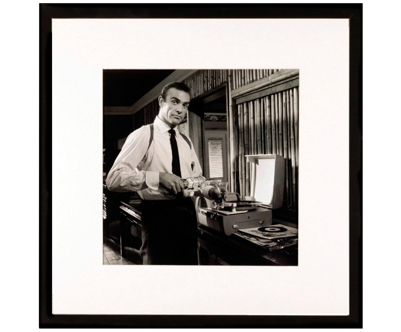 Impresión digital enmarcada Connery, Ilustración: negro, blanco Marco: negro, An 40 x Al 40 cm