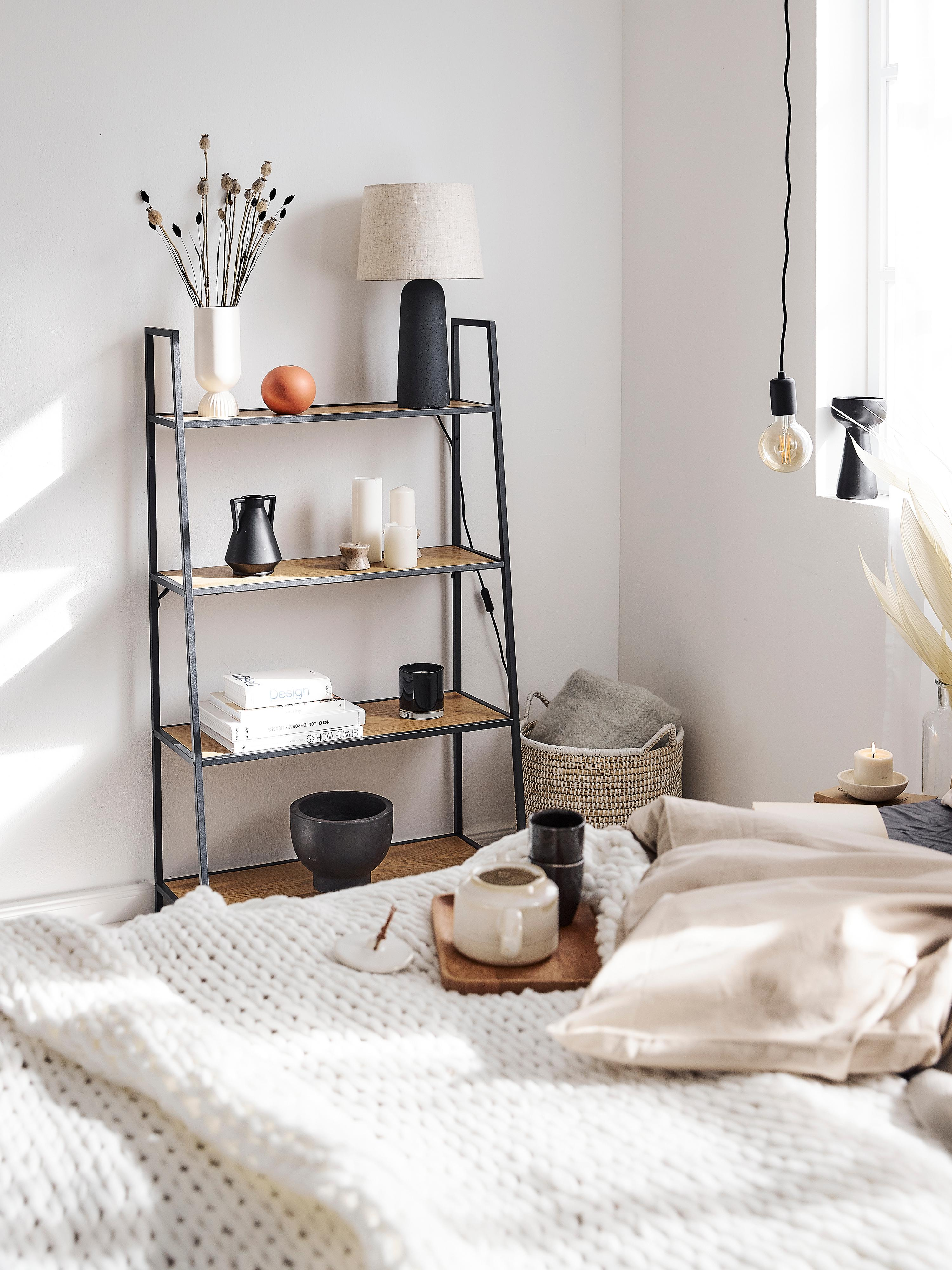 Tafellamp Kaya, Lampenkap: 80% katoen, 20% linnen, Lampvoet: beton, Lampenkap: beige. Lampvoet: donkergrijs. Snoer: zwart, Ø 29 x H 52 cm