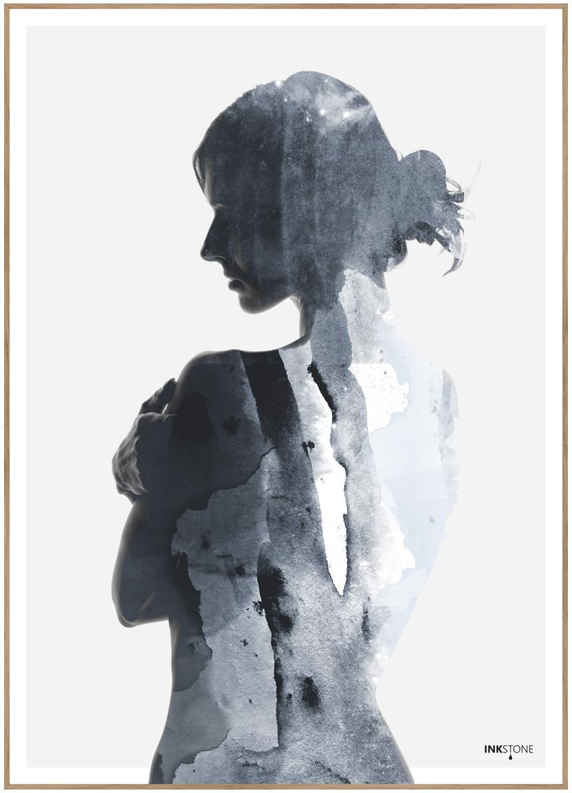 Gerahmter Digitaldruck Woman in Blue, Bild: Digitaldruck auf Papier (, Rahmen: Hochdichte Holzfaserplatt, Blautöne, Weiss, 50 x 70 cm