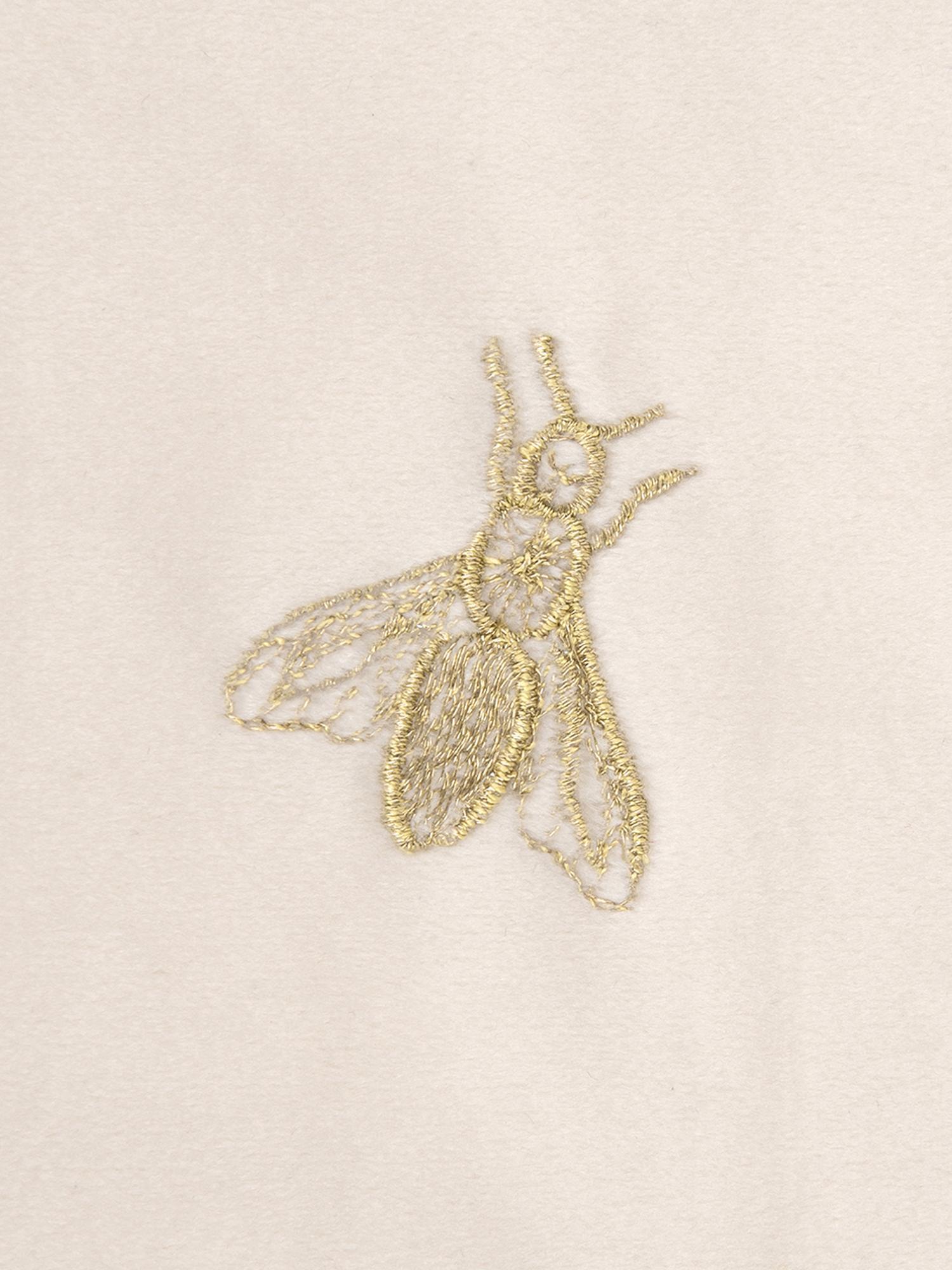 Bestickte Samt-Kissenhülle Nora in Beige und Gold, 100% Polyestersamt, Beige, 45 x 45 cm