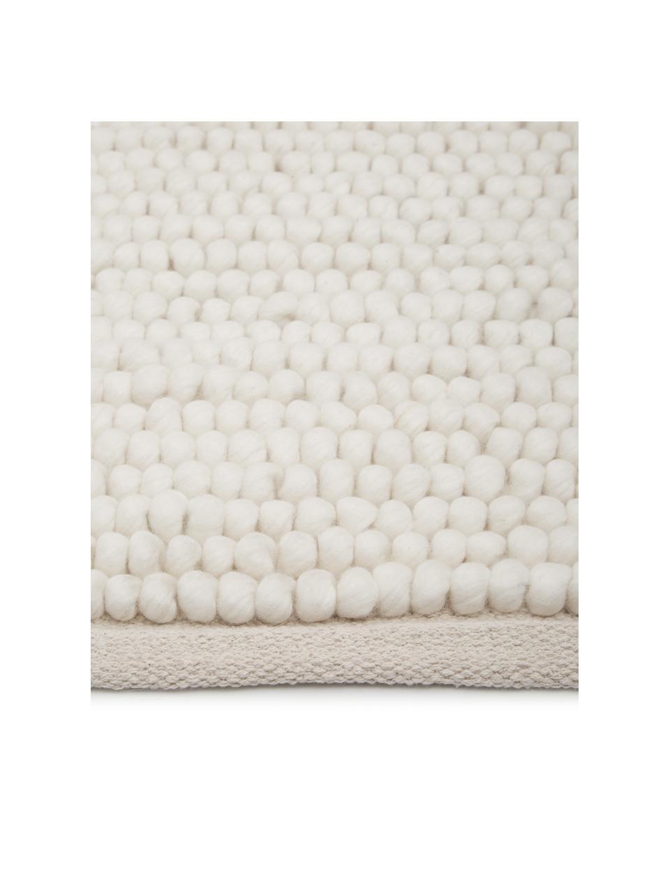 Tappeto in lana color bianco crema Pebble, 80% lana della Nuova Zelanda, 20% nylon Nel caso dei tappeti di lana, le fibre possono staccarsi nelle prime settimane di utilizzo, questo e la formazione di lanugine si riducono con l'uso quotidiano, Bianco, Larg. 80 x Lung. 150 cm (taglia XS)